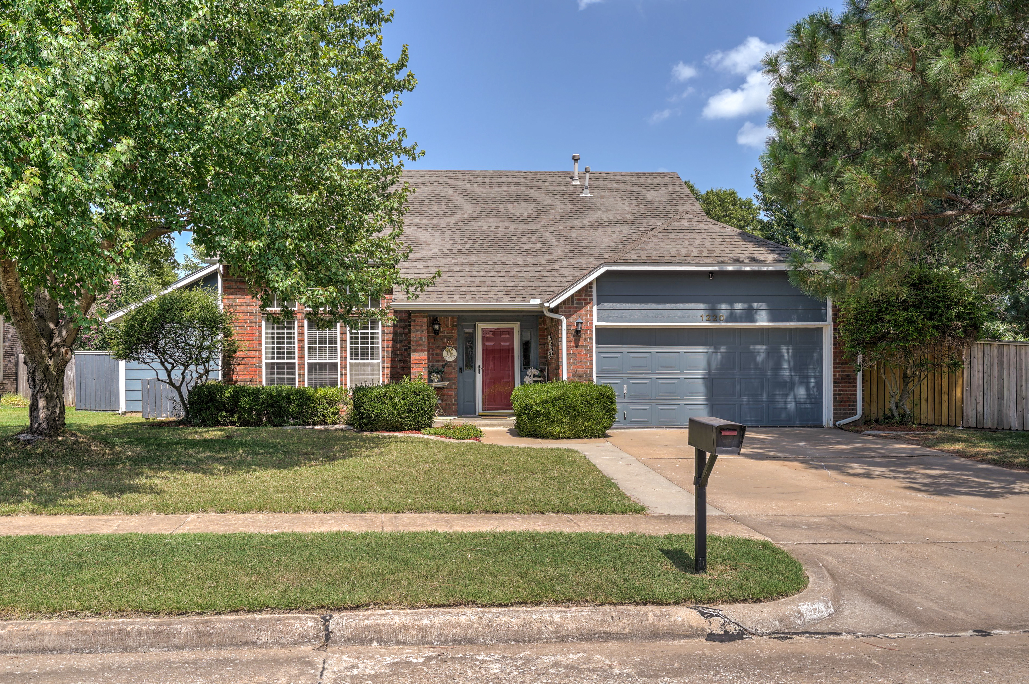 1220 W Gary Street Property Photo 1