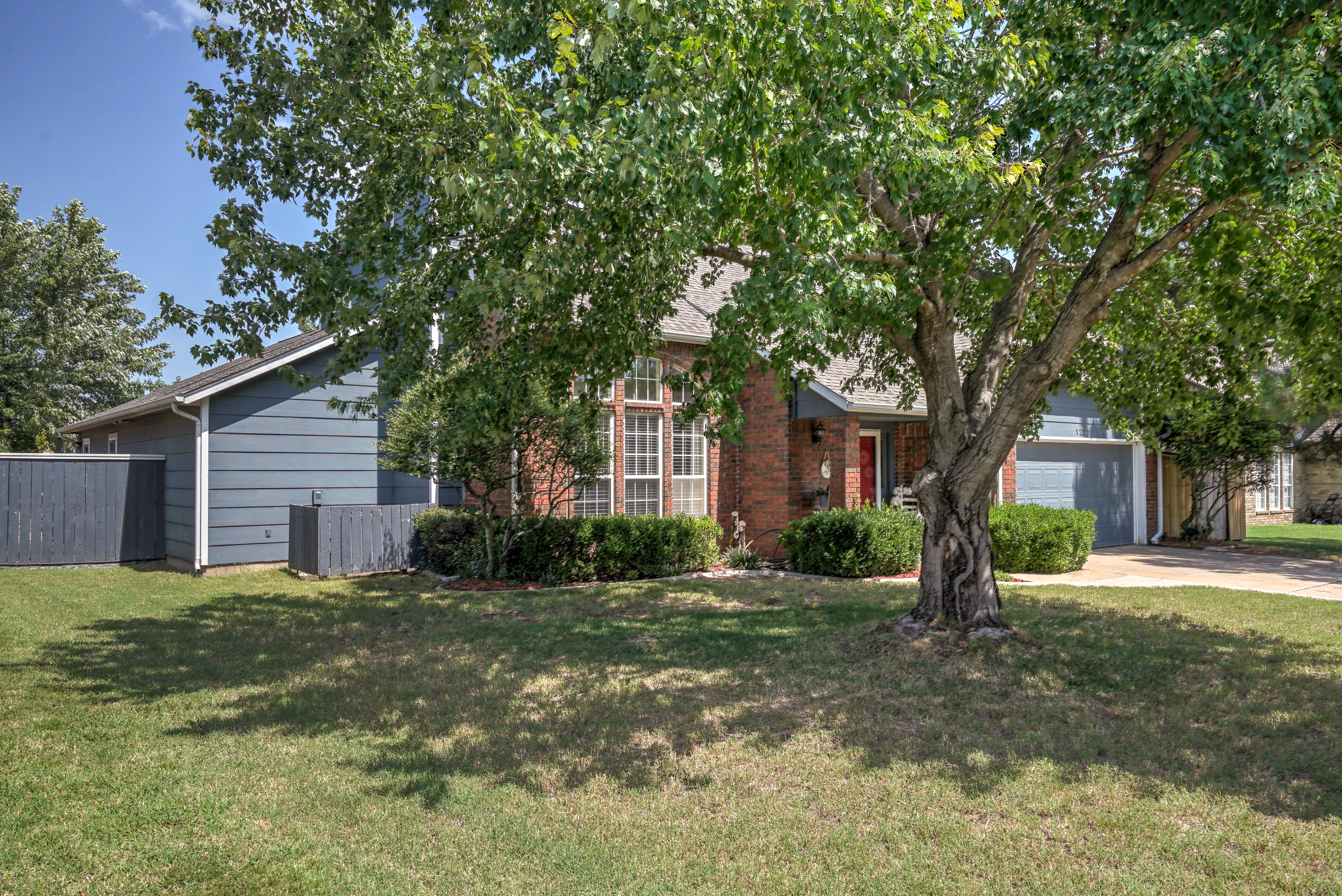 1220 W Gary Street Property Photo 2