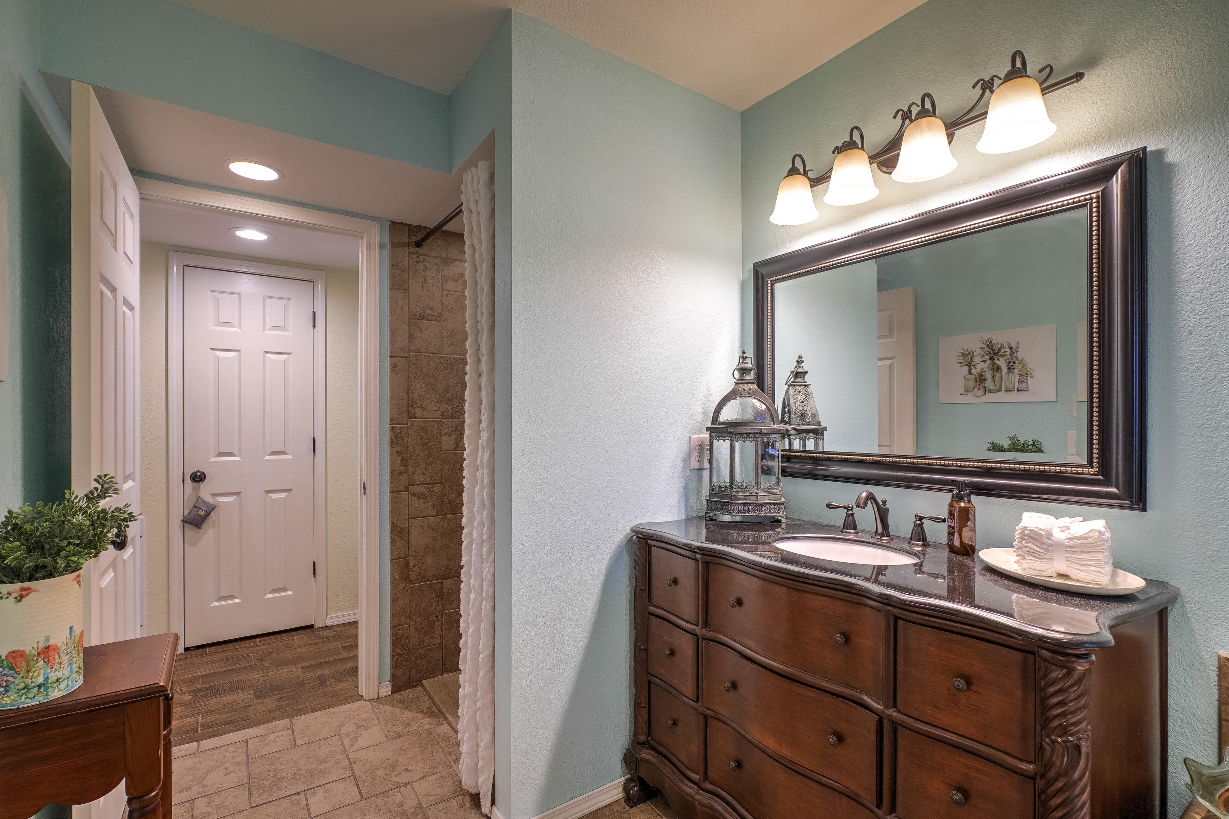 1220 W Gary Street Property Photo 11