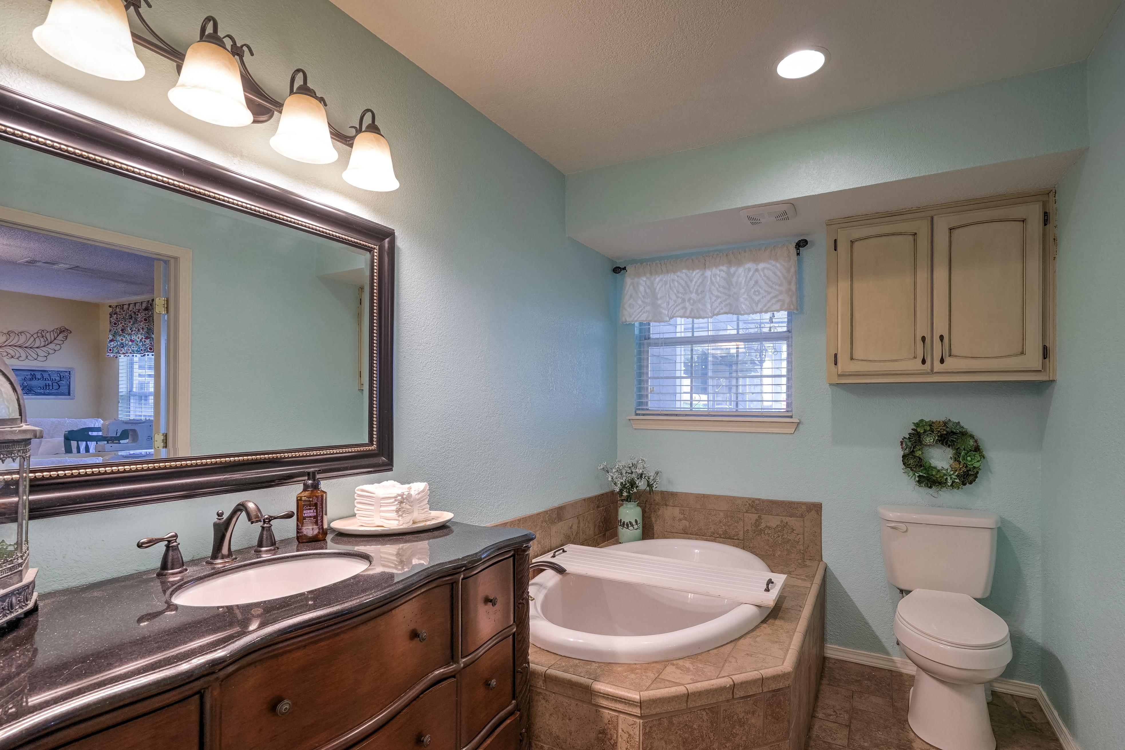 1220 W Gary Street Property Photo 19