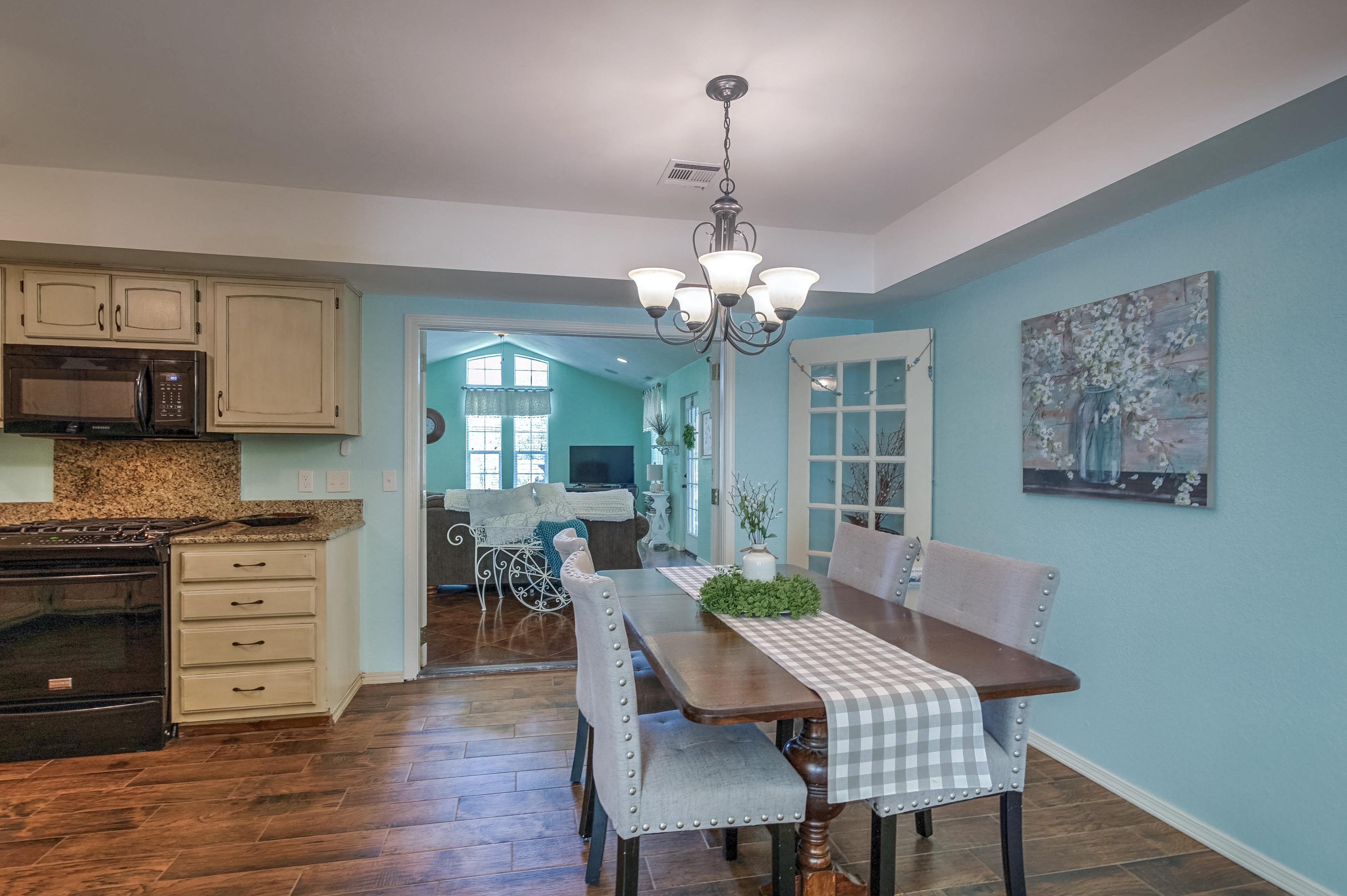 1220 W Gary Street Property Photo 8