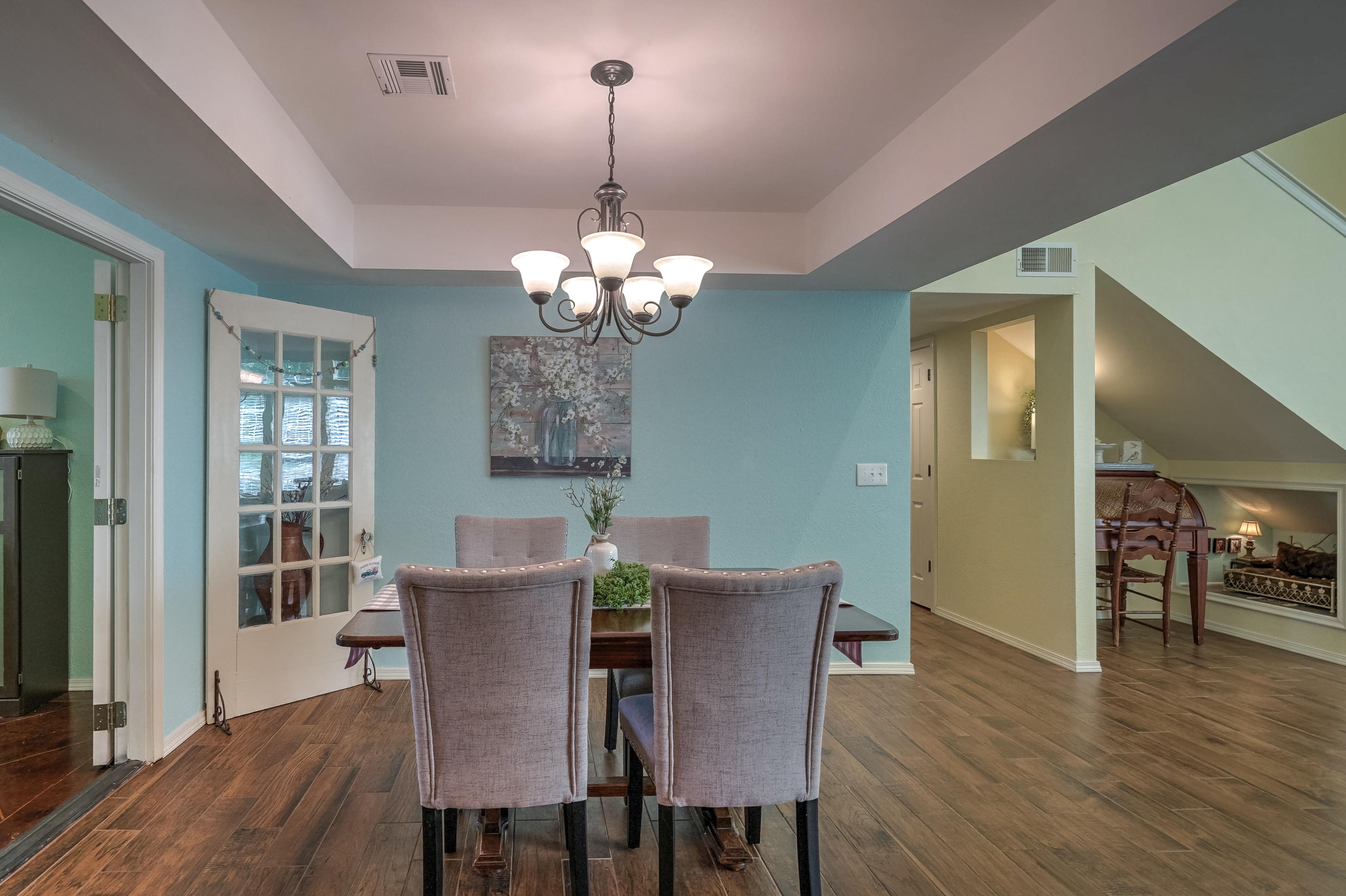1220 W Gary Street Property Photo 9