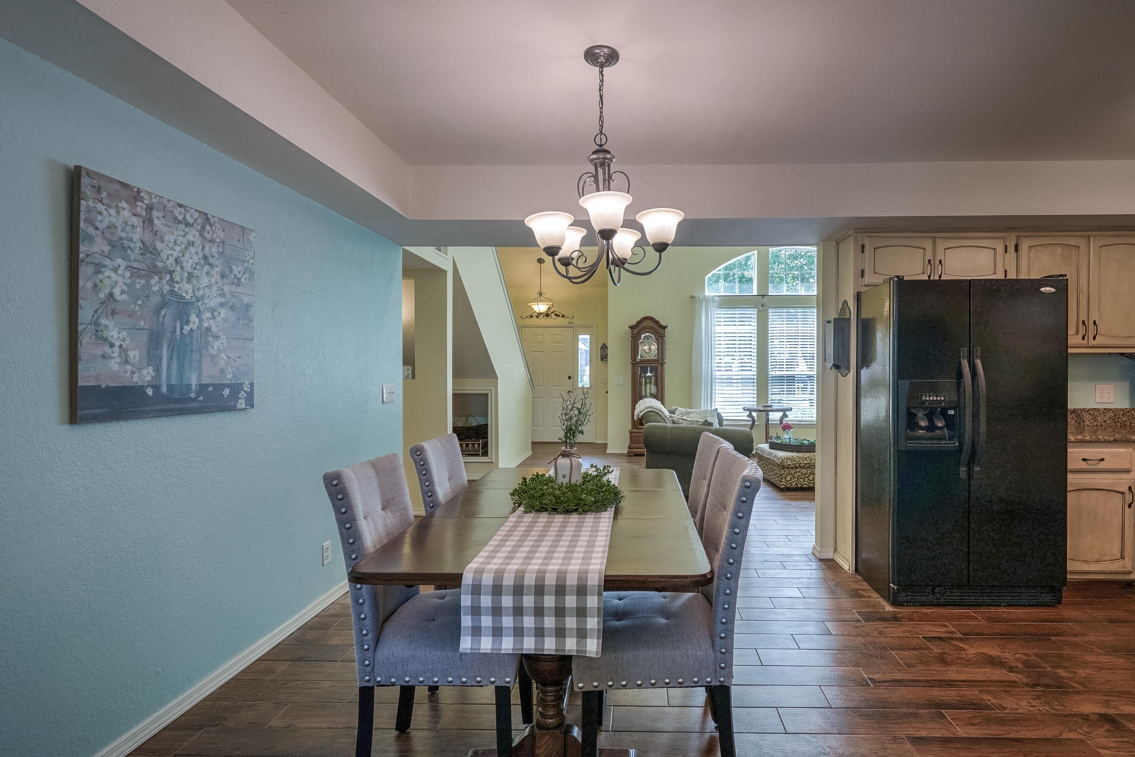 1220 W Gary Street Property Photo 10