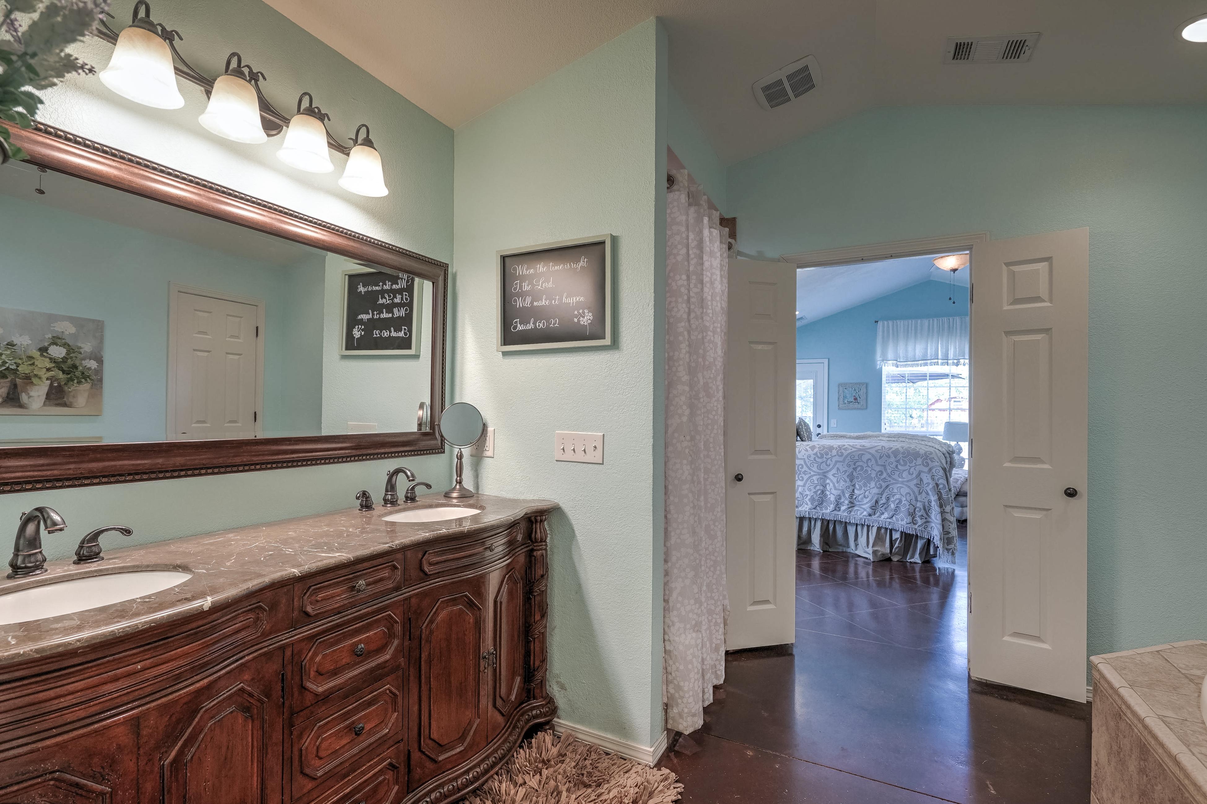 1220 W Gary Street Property Photo 17