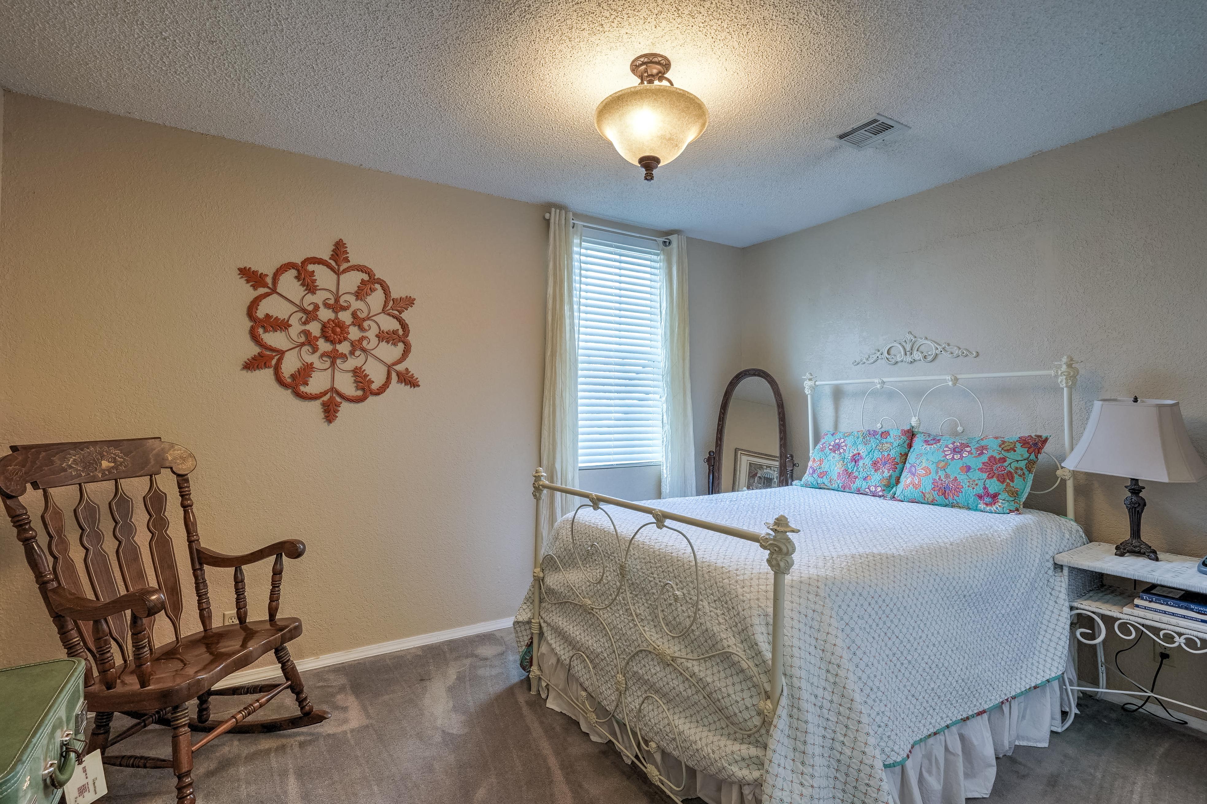 1220 W Gary Street Property Photo 22