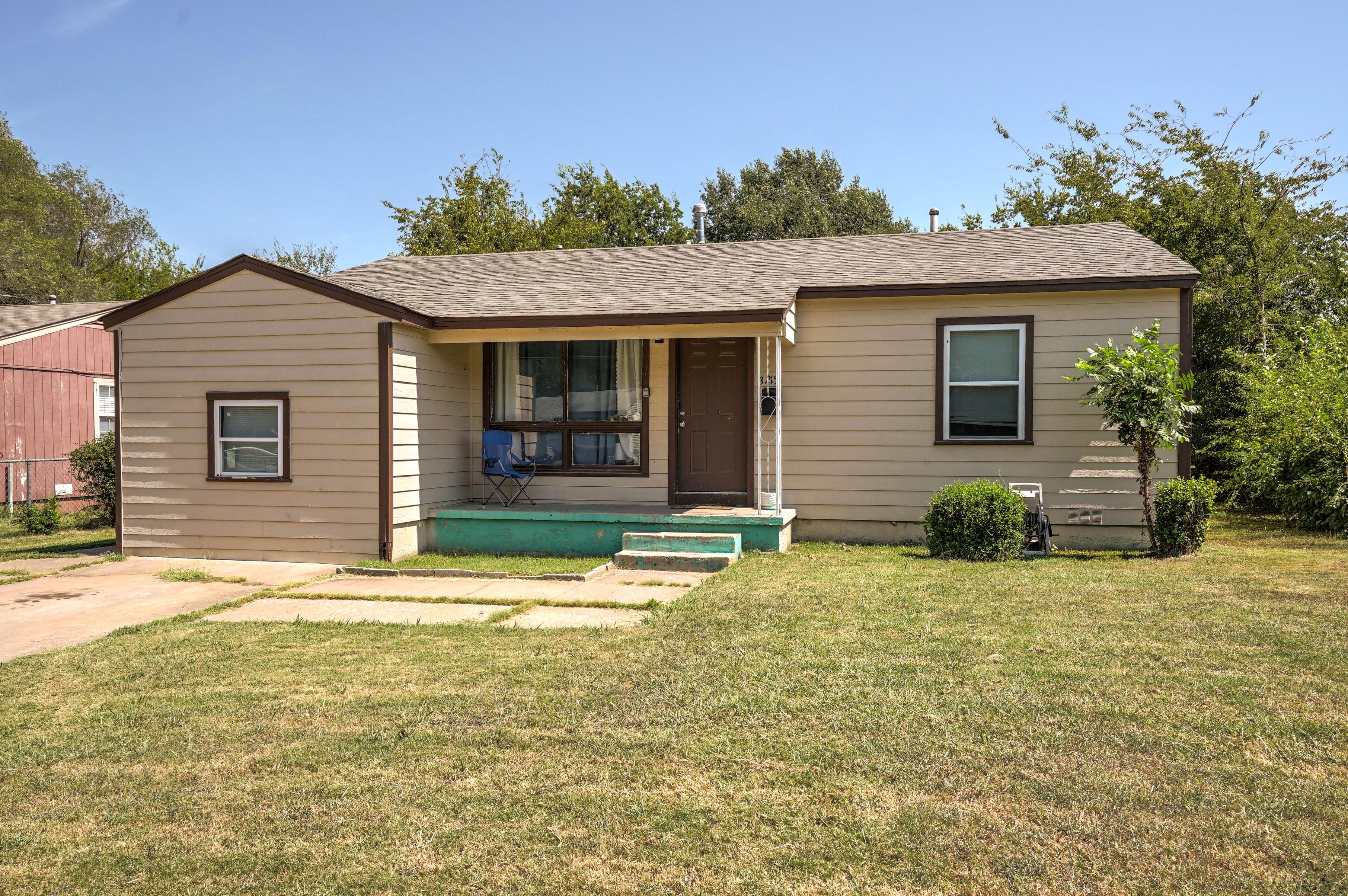 3215 N Garrison Avenue Property Photo 1