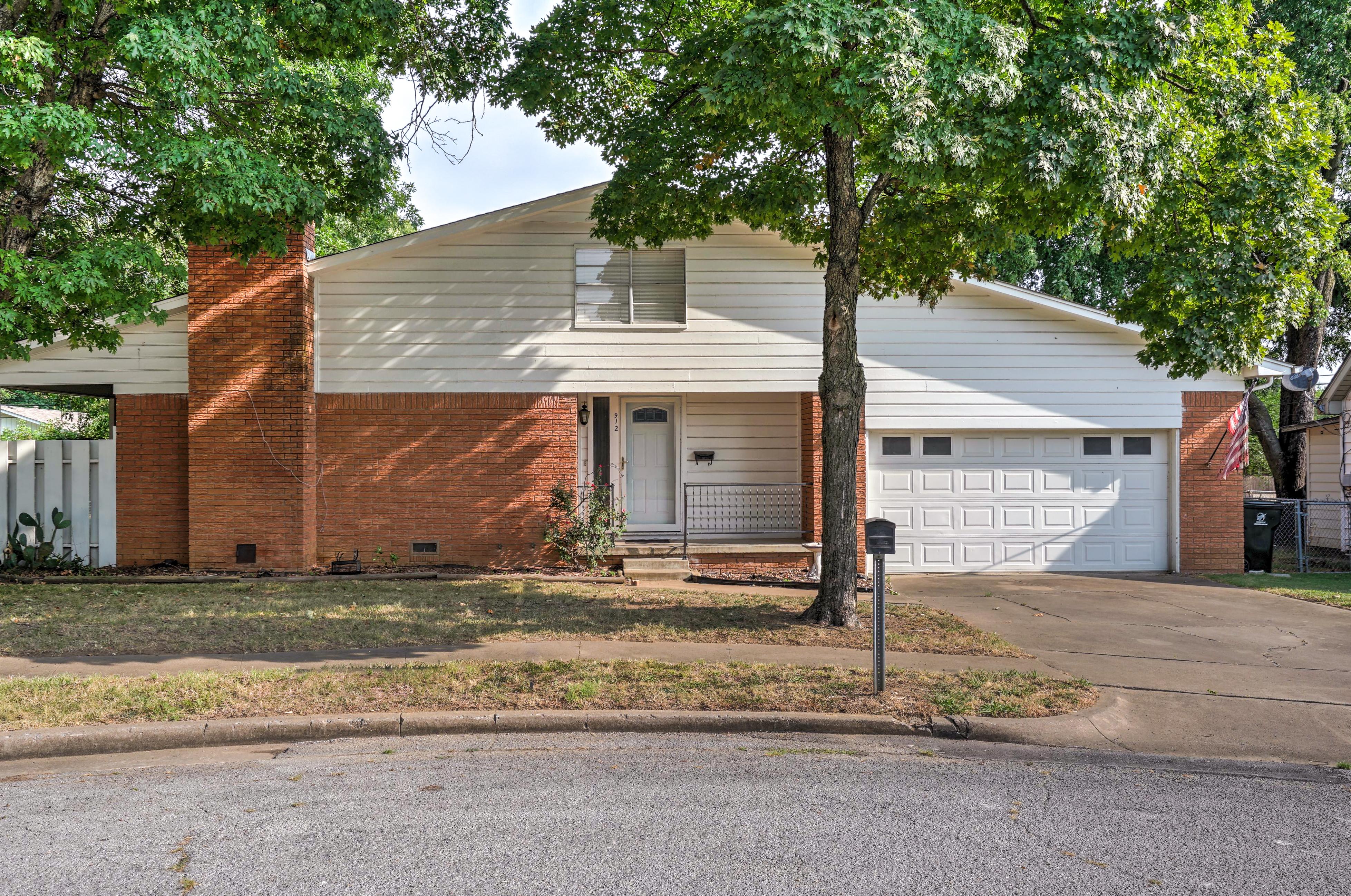 912 E Elgin Place Property Photo 1