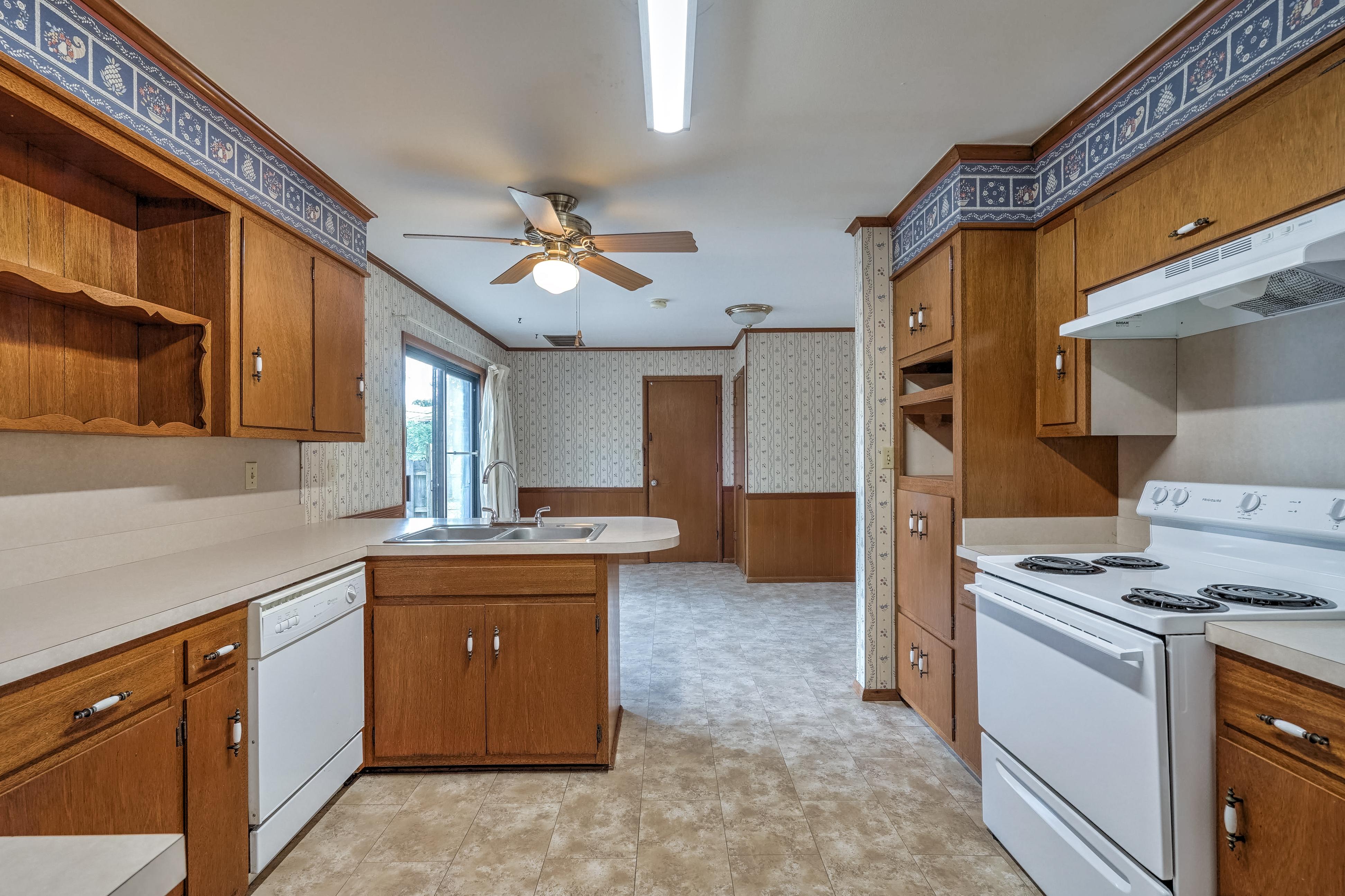 912 E Elgin Place Property Photo 12