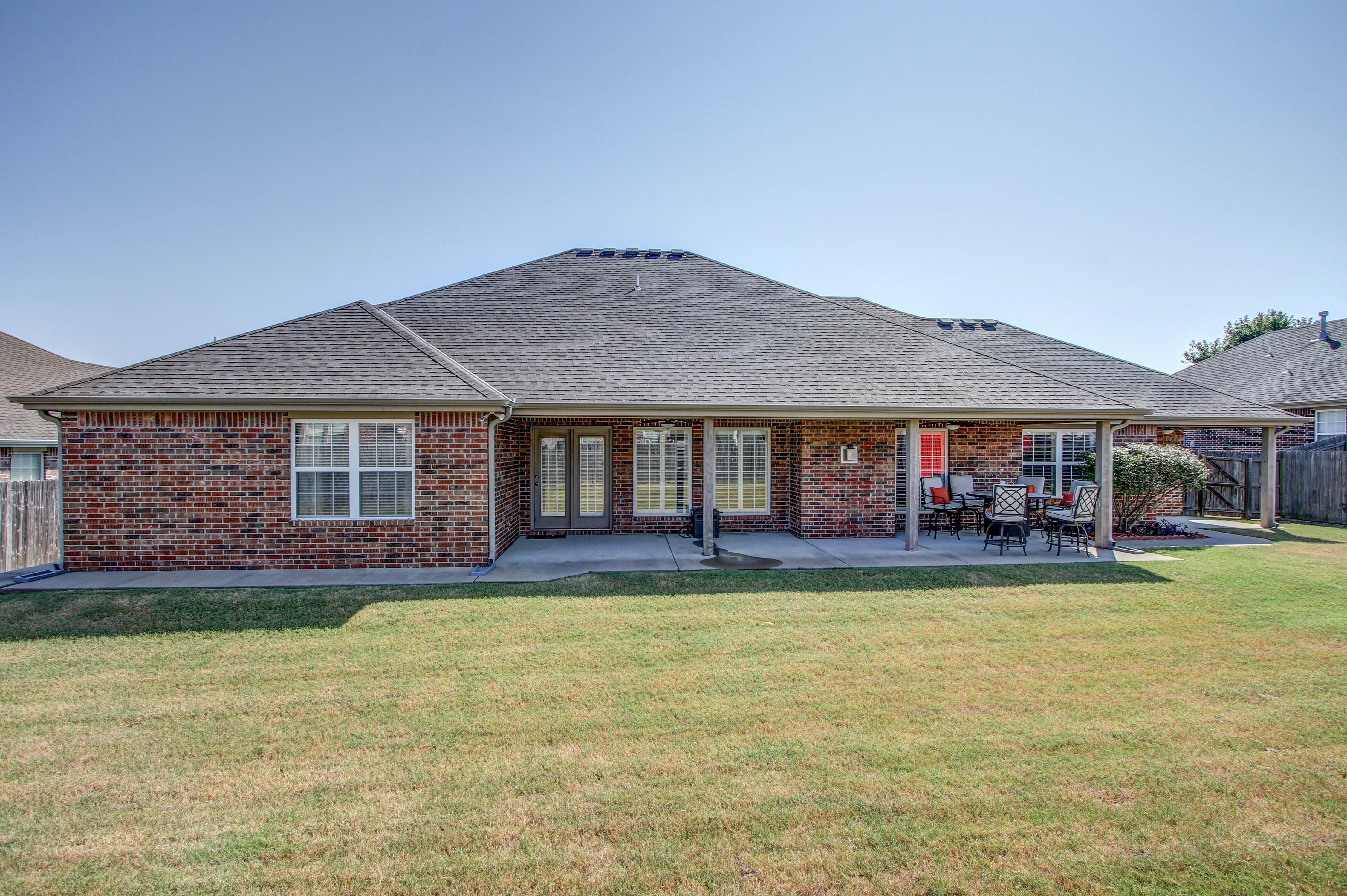 919 Willow Creek Drive Property Photo 34