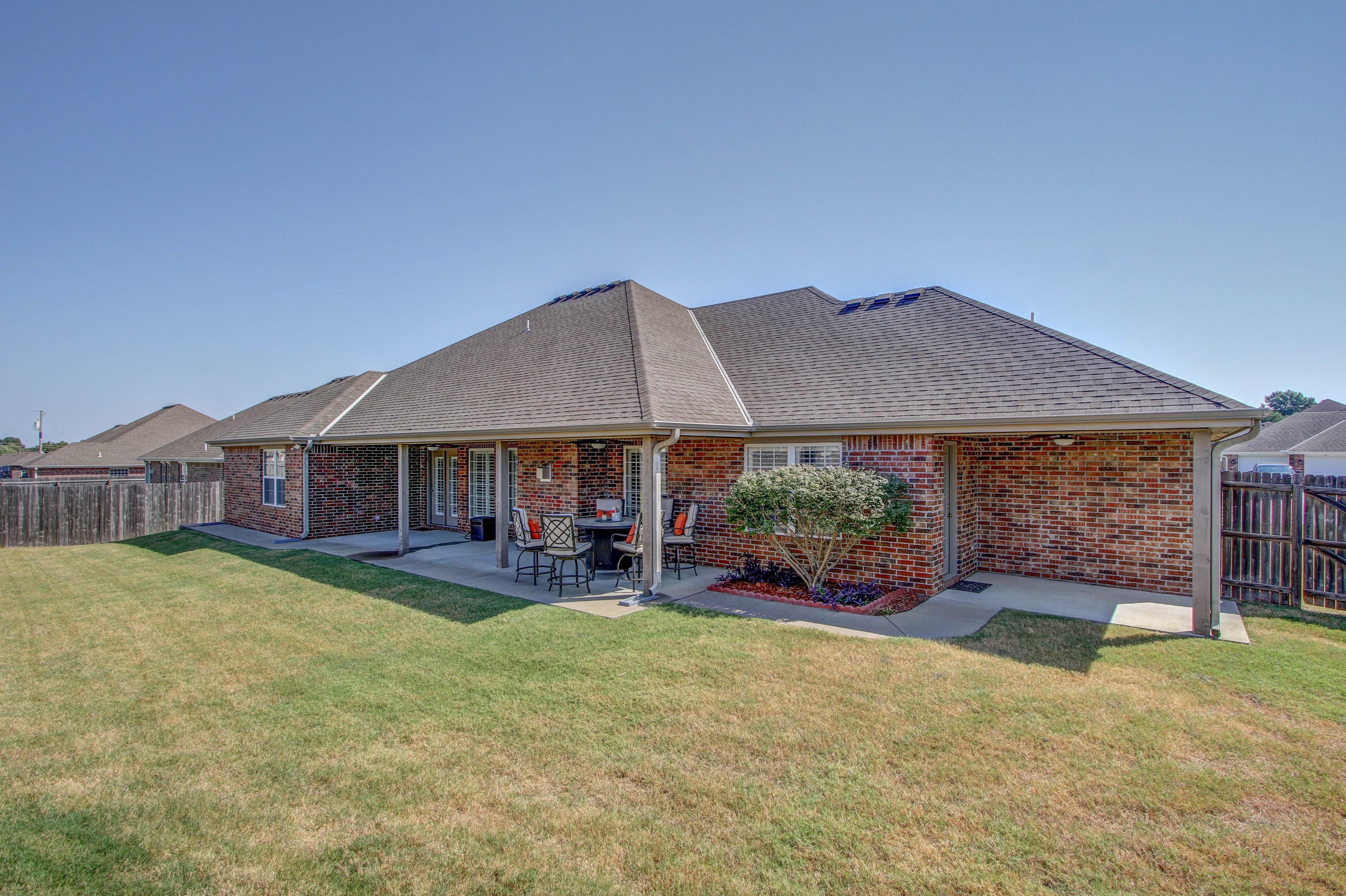 919 Willow Creek Drive Property Photo 33