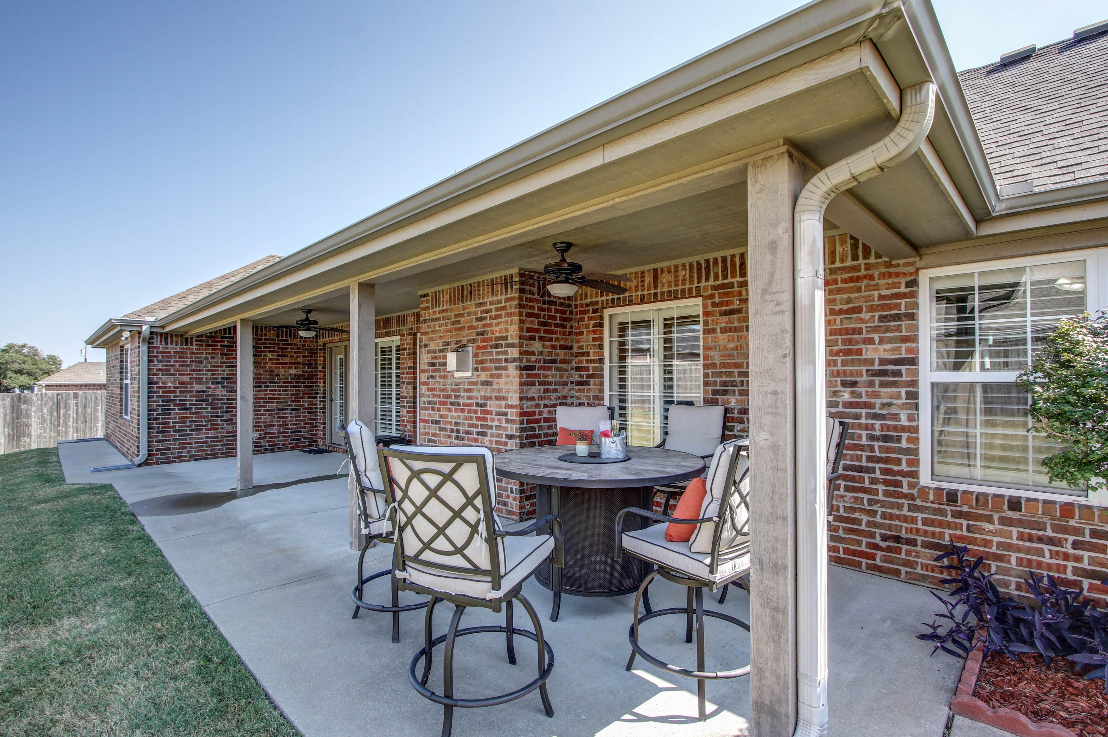 919 Willow Creek Drive Property Photo 32
