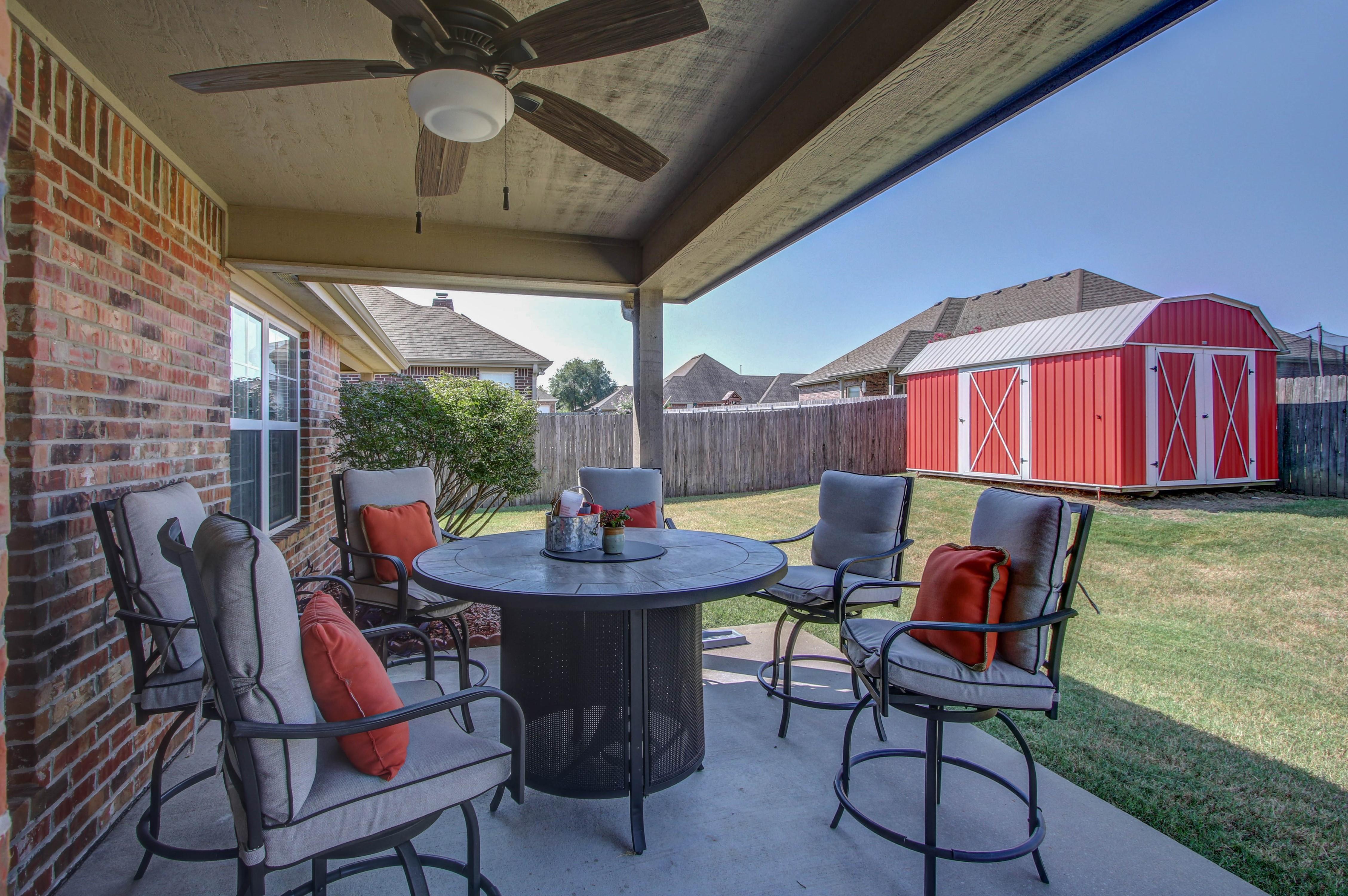 919 Willow Creek Drive Property Photo 31
