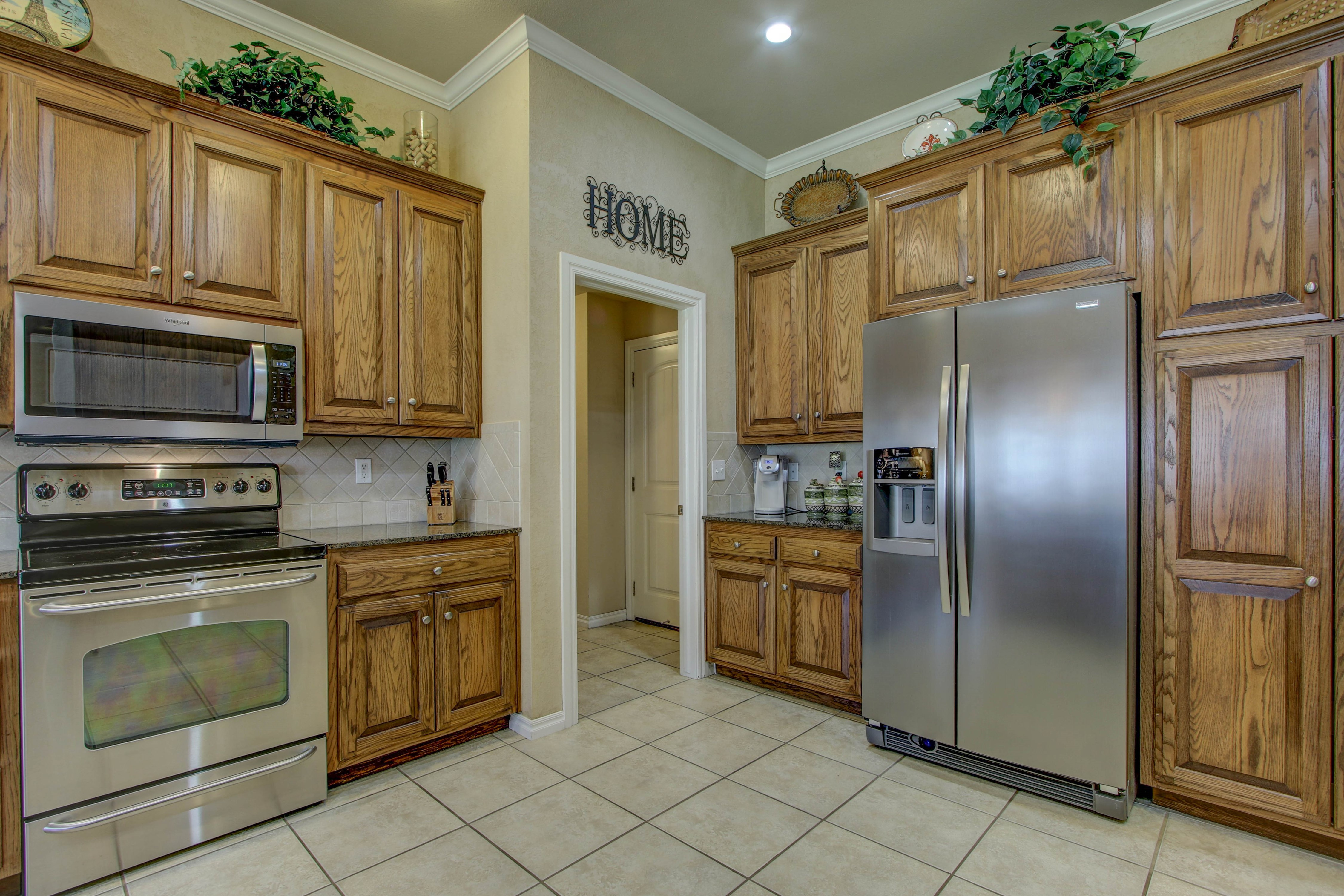 919 Willow Creek Drive Property Photo 15