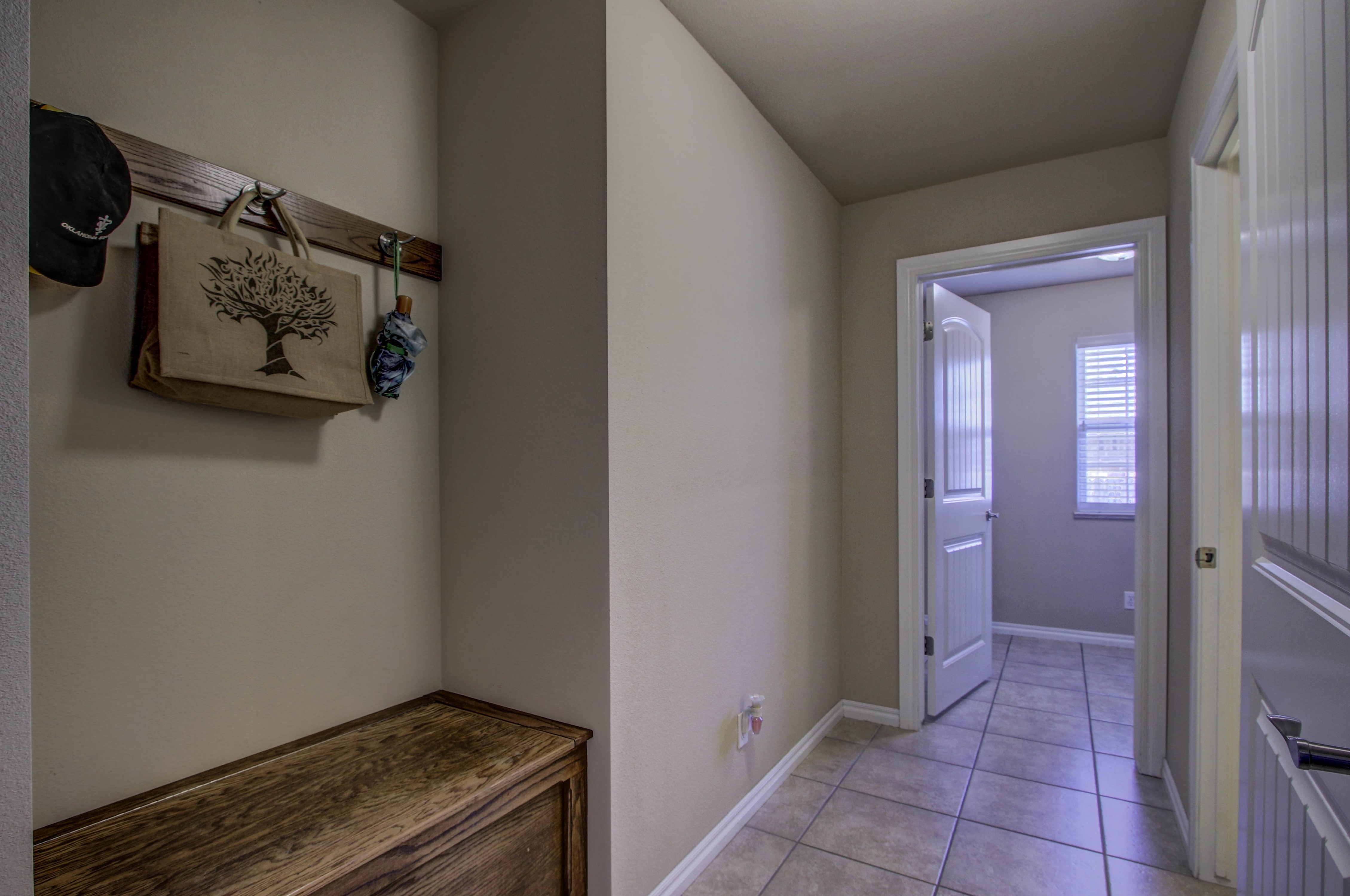 919 Willow Creek Drive Property Photo 24