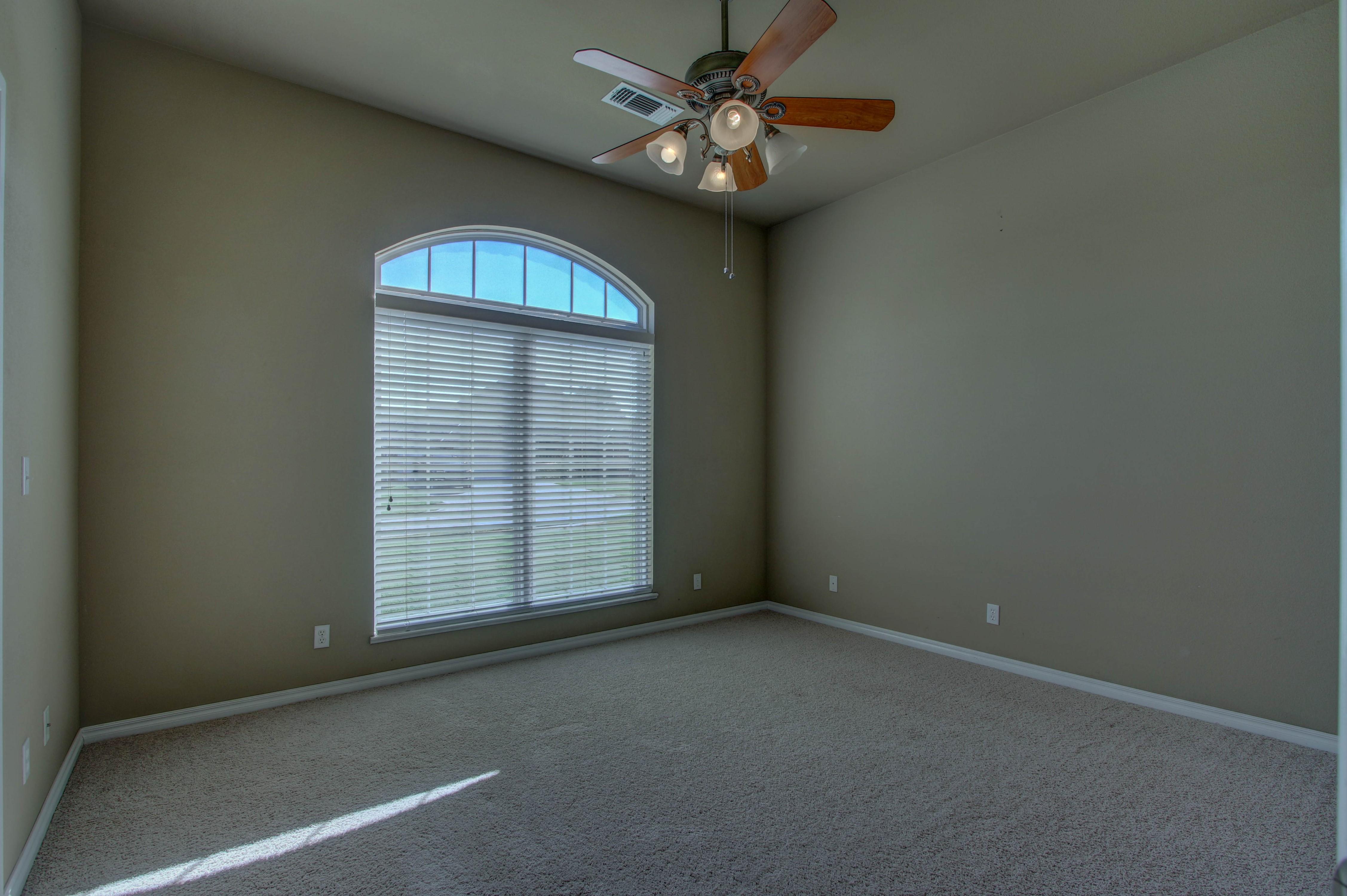 919 Willow Creek Drive Property Photo 23