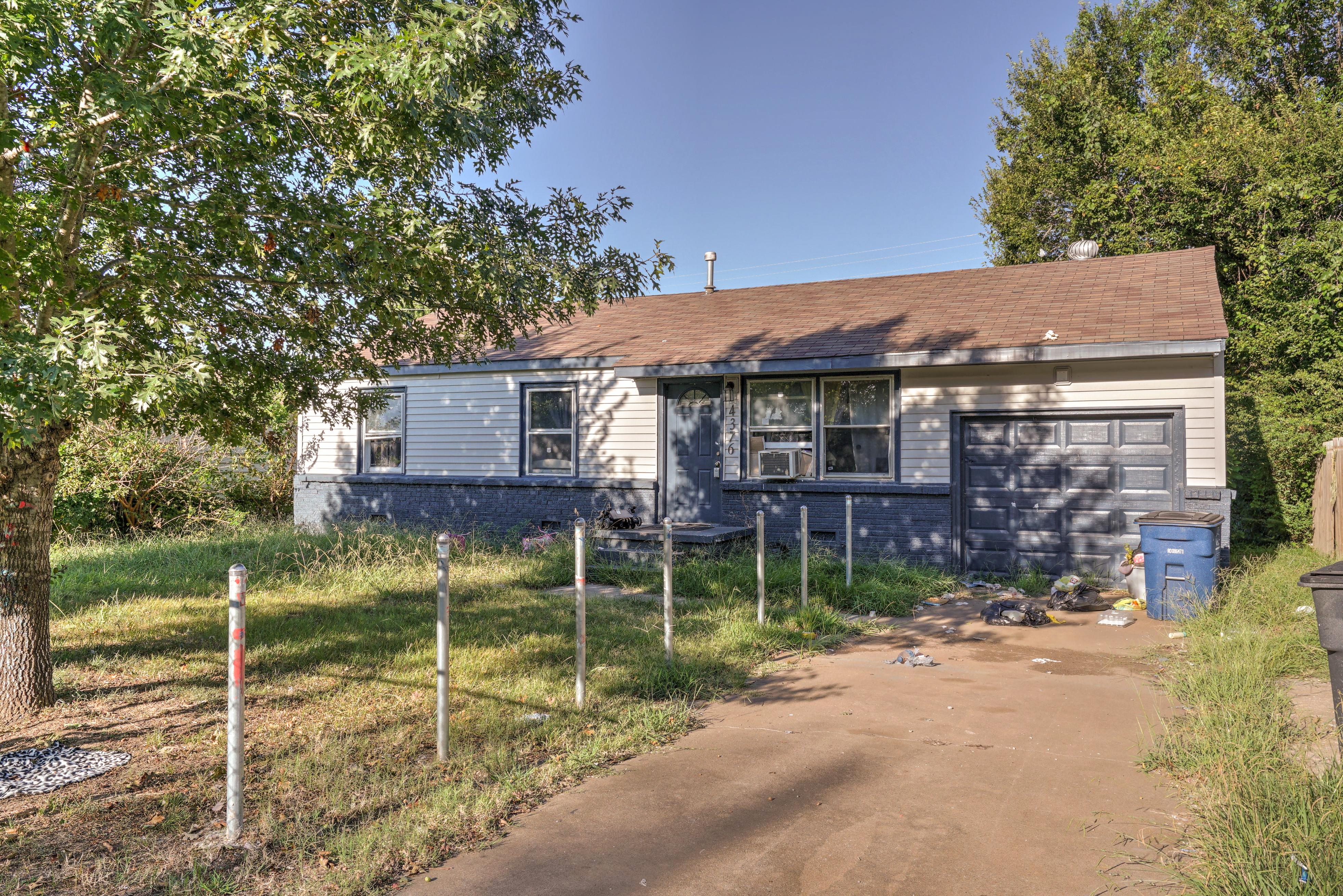 4376 N Elgin Avenue Property Photo 1