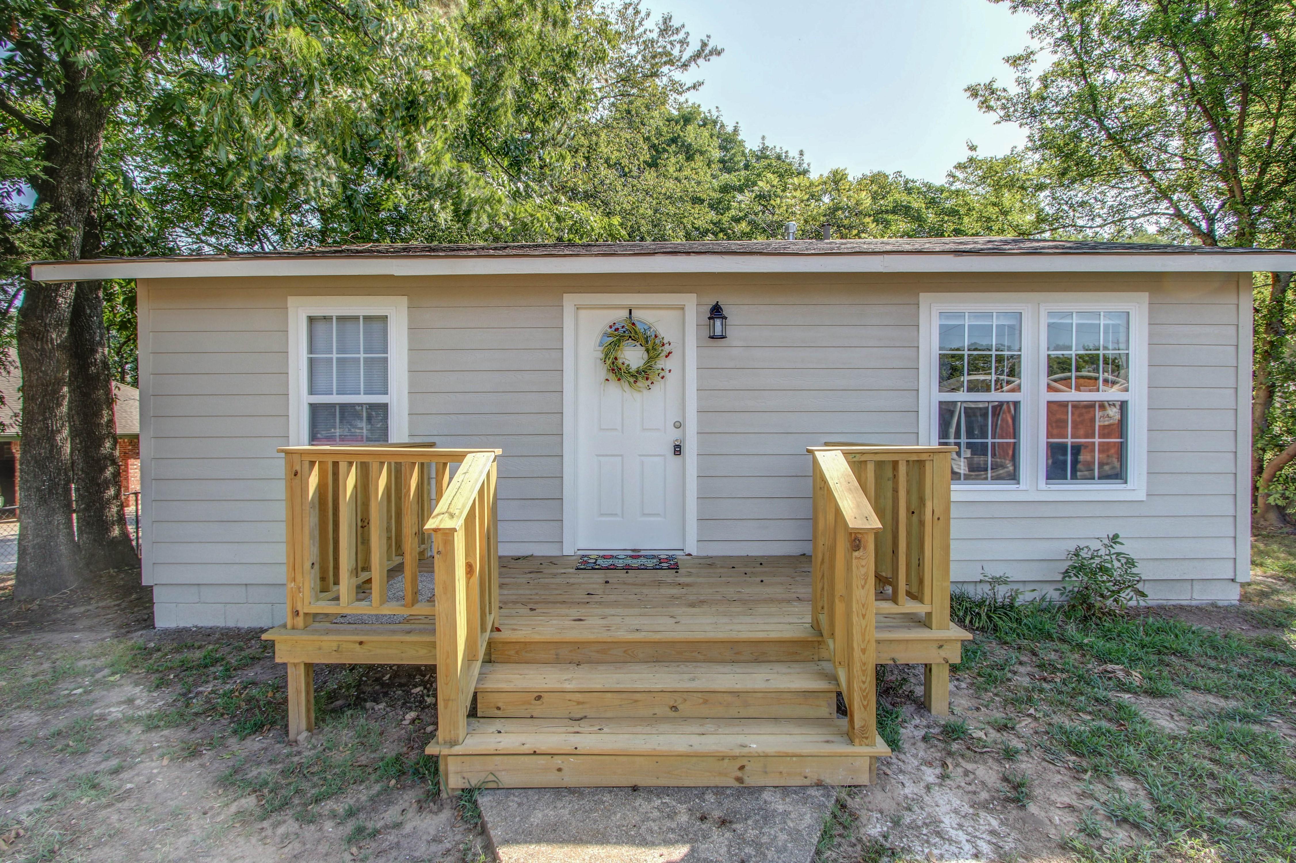 326 N Oak Avenue Property Photo 3