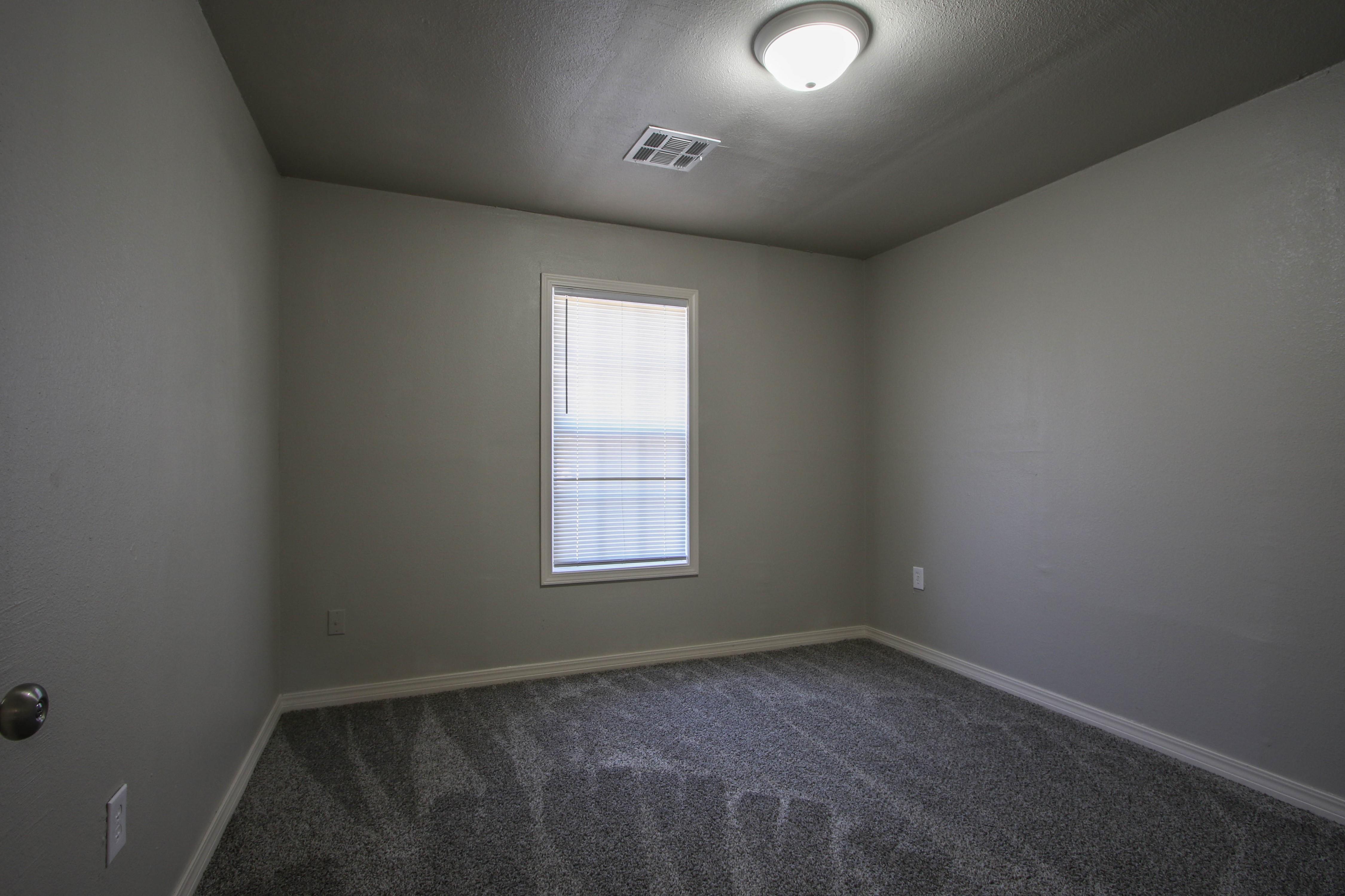 326 N Oak Avenue Property Photo 19