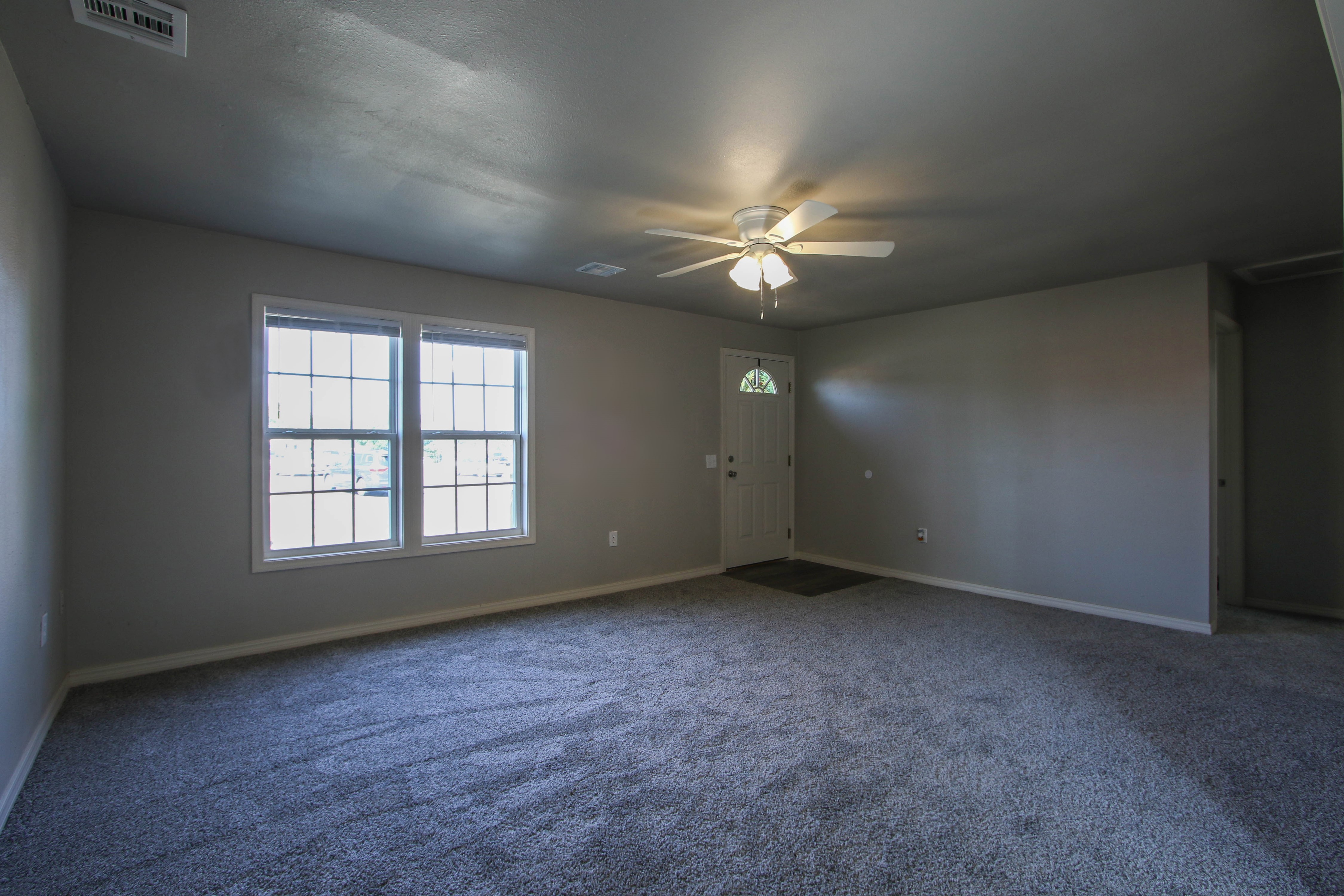 326 N Oak Avenue Property Photo 7