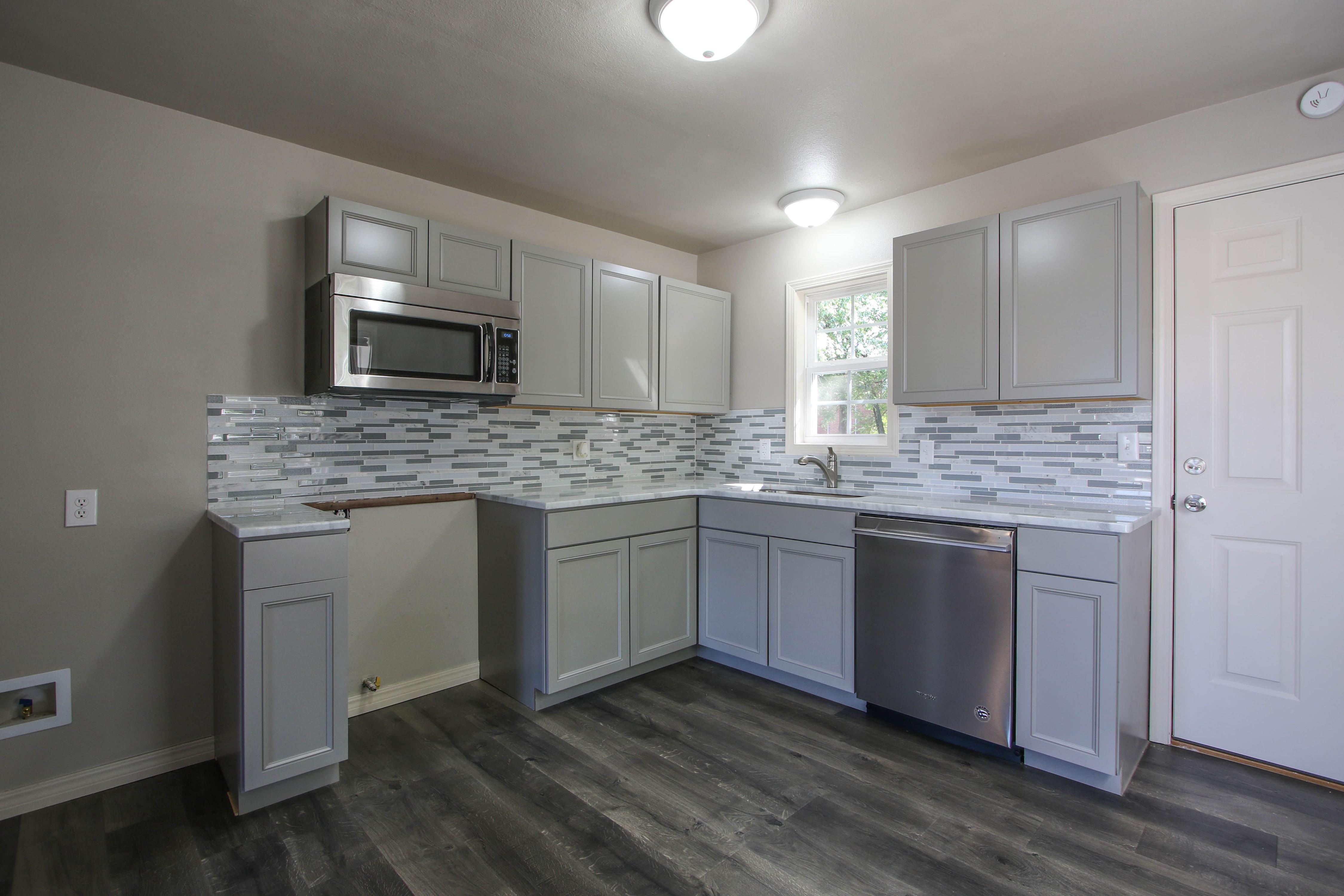 326 N Oak Avenue Property Photo 9