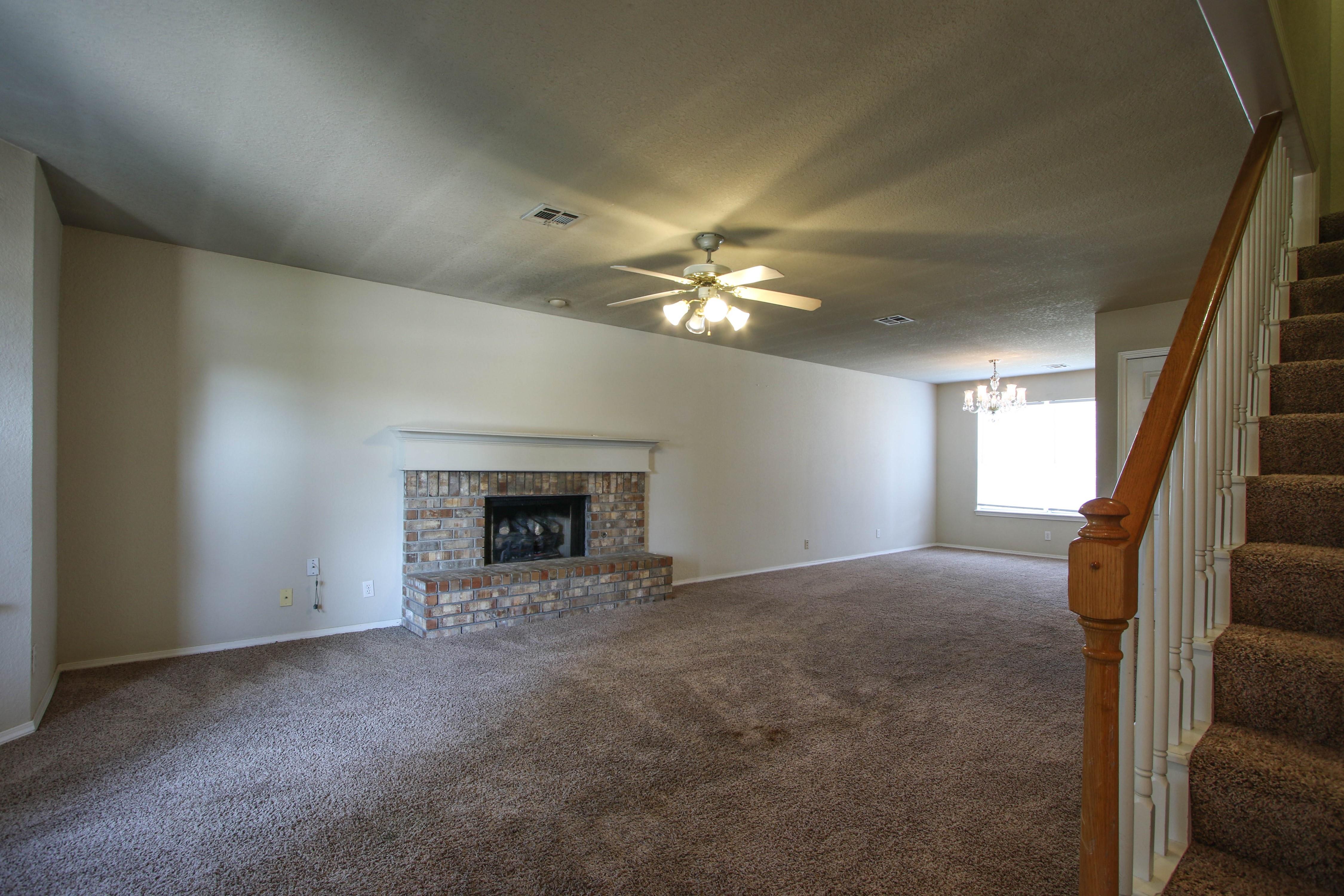 8723 E 60th Place Property Photo 5