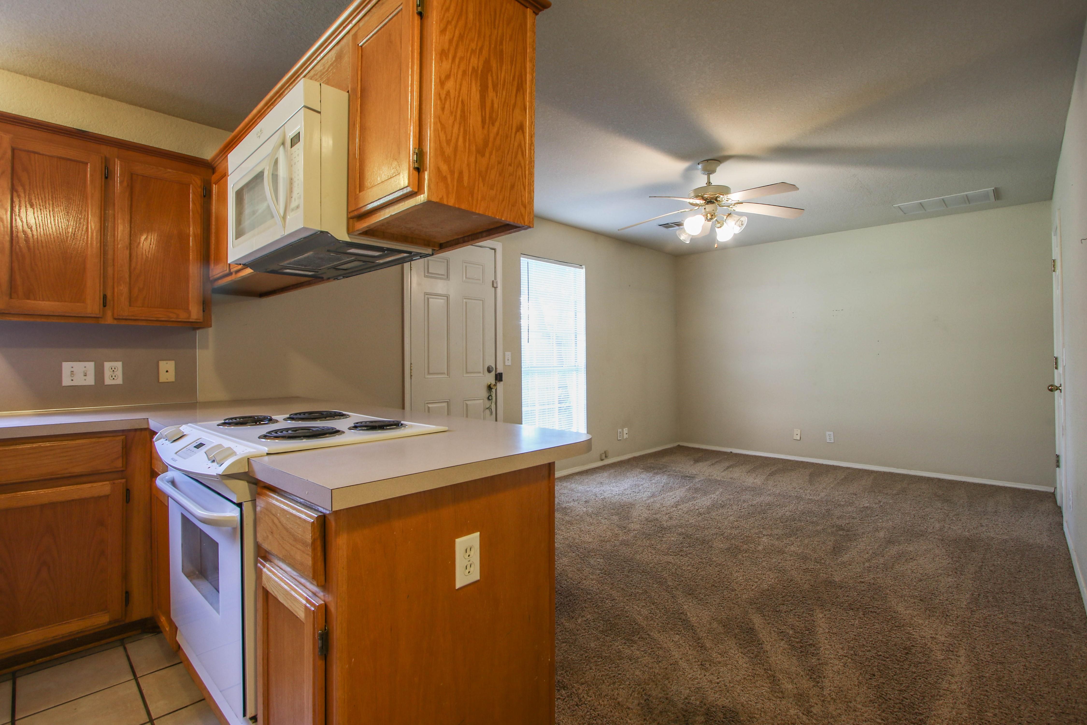 8723 E 60th Place Property Photo 9