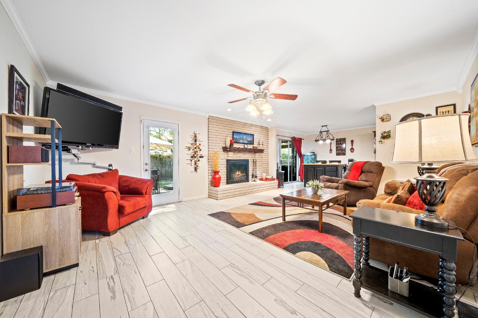 6616 E 54th Street Property Photo 6
