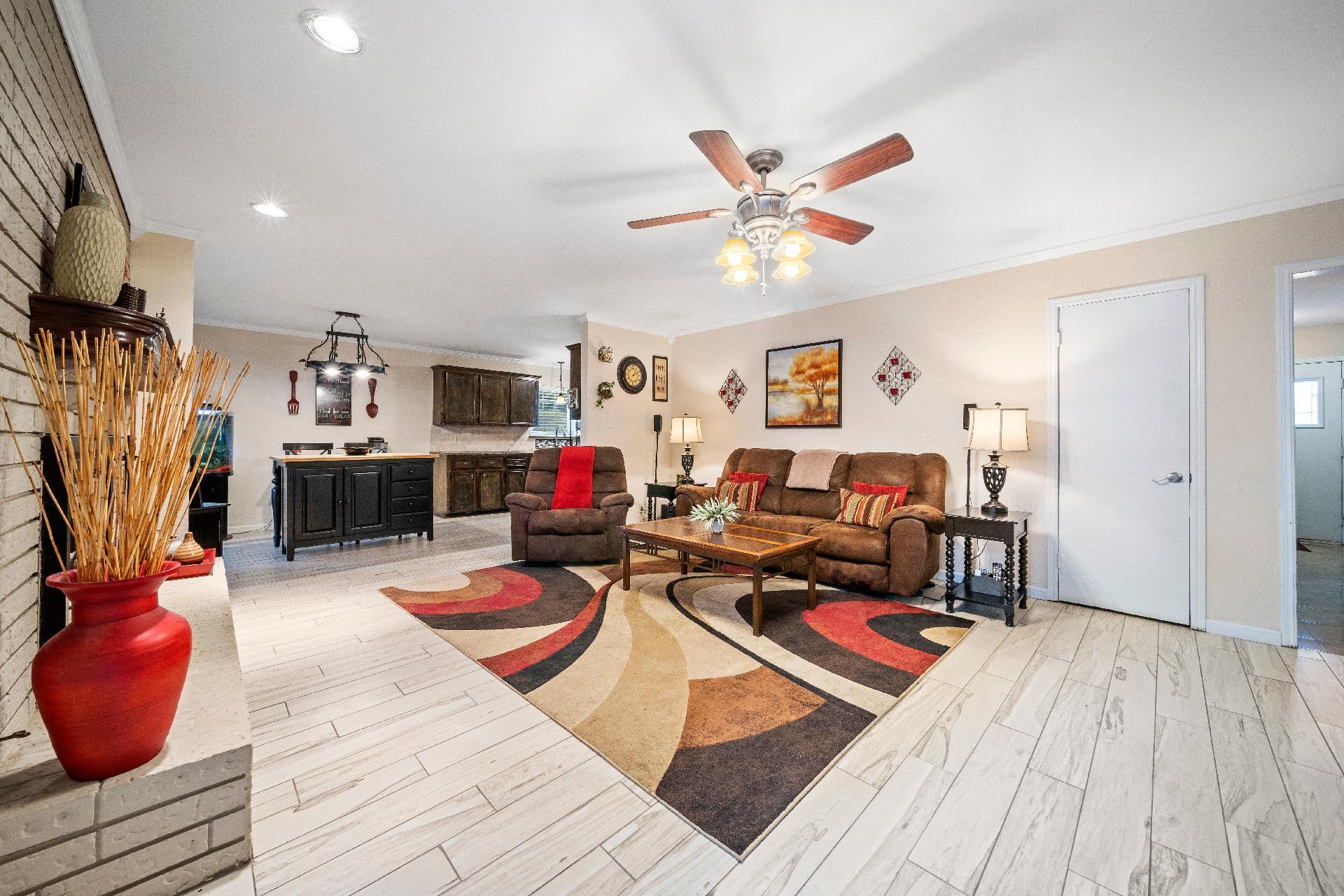 6616 E 54th Street Property Photo 7