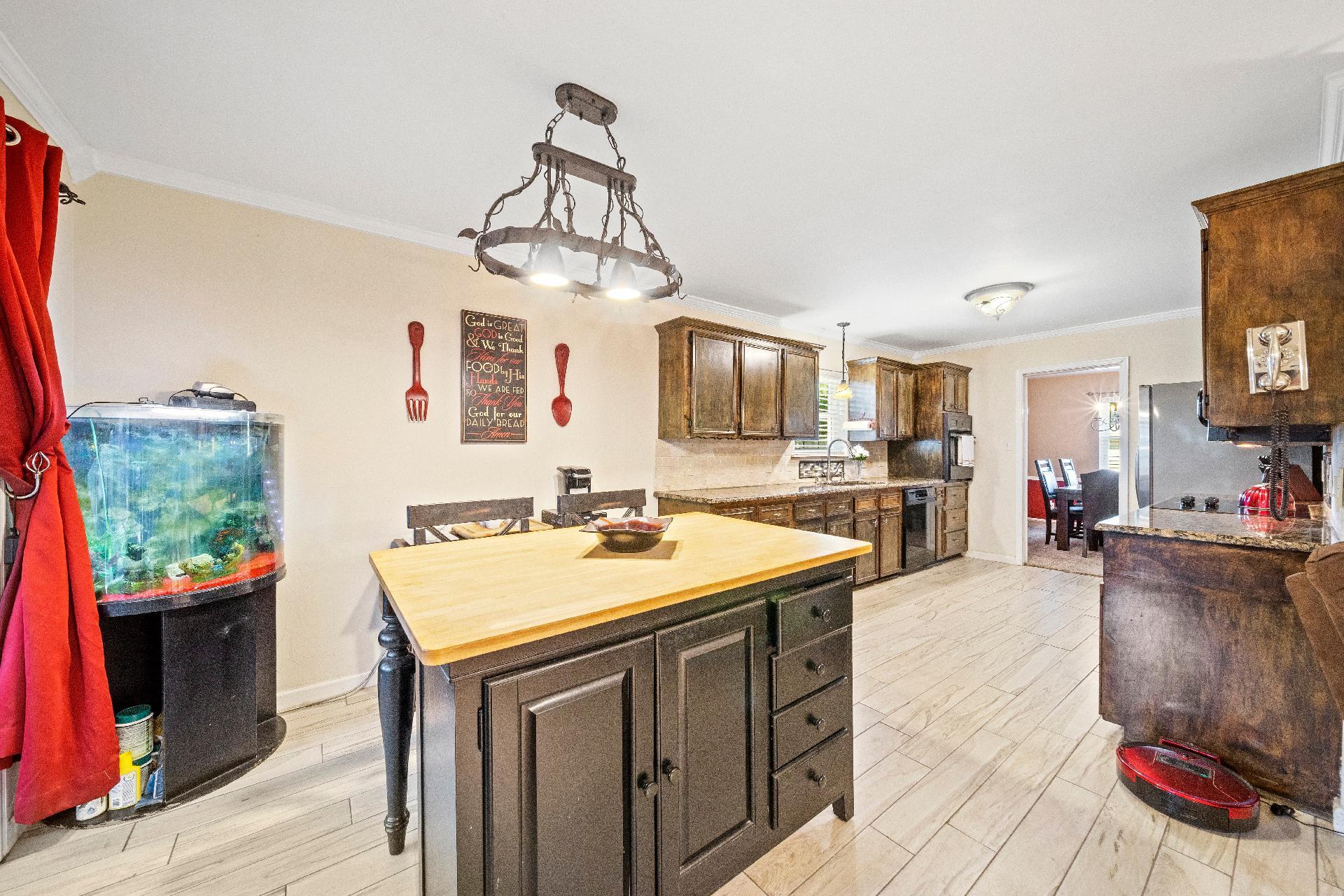 6616 E 54th Street Property Photo 9