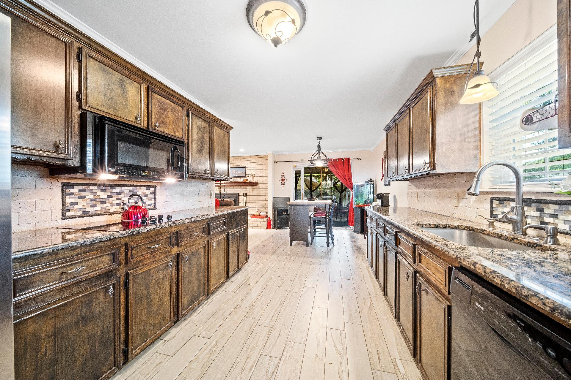 6616 E 54th Street Property Photo 12
