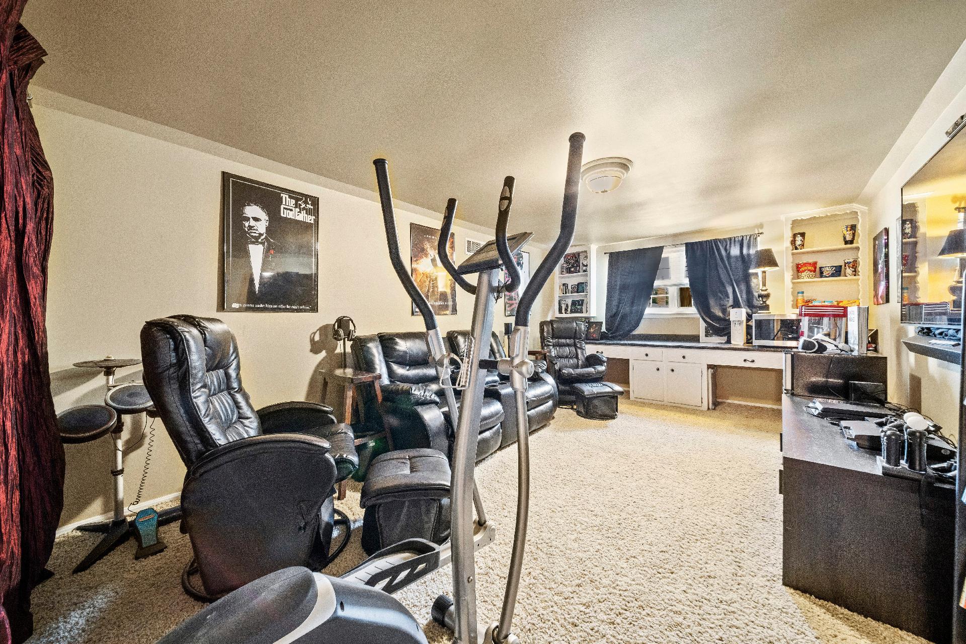 6616 E 54th Street Property Photo 22