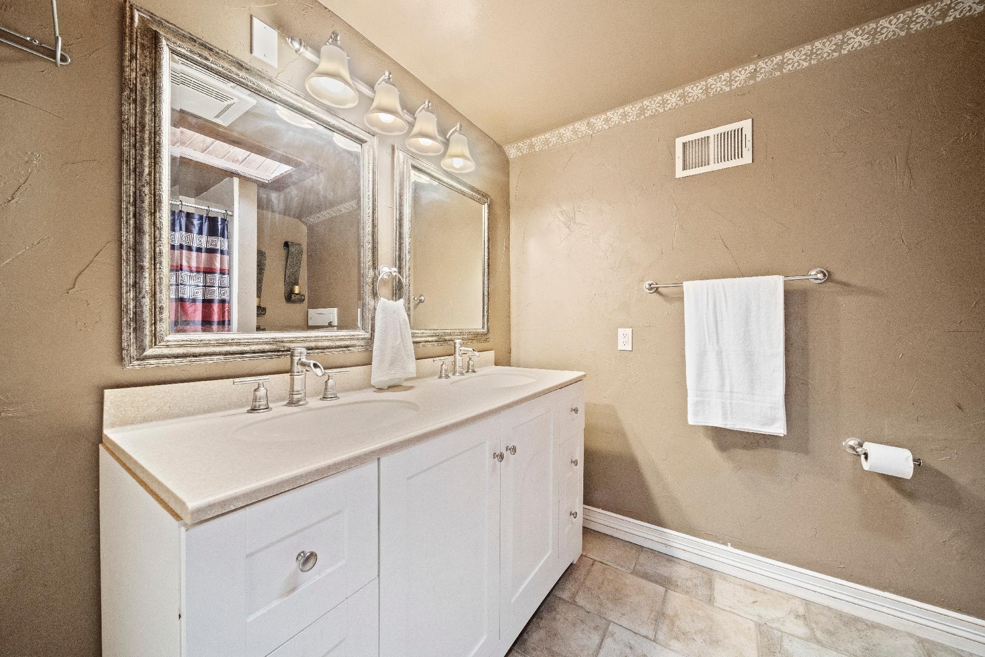 6616 E 54th Street Property Photo 24
