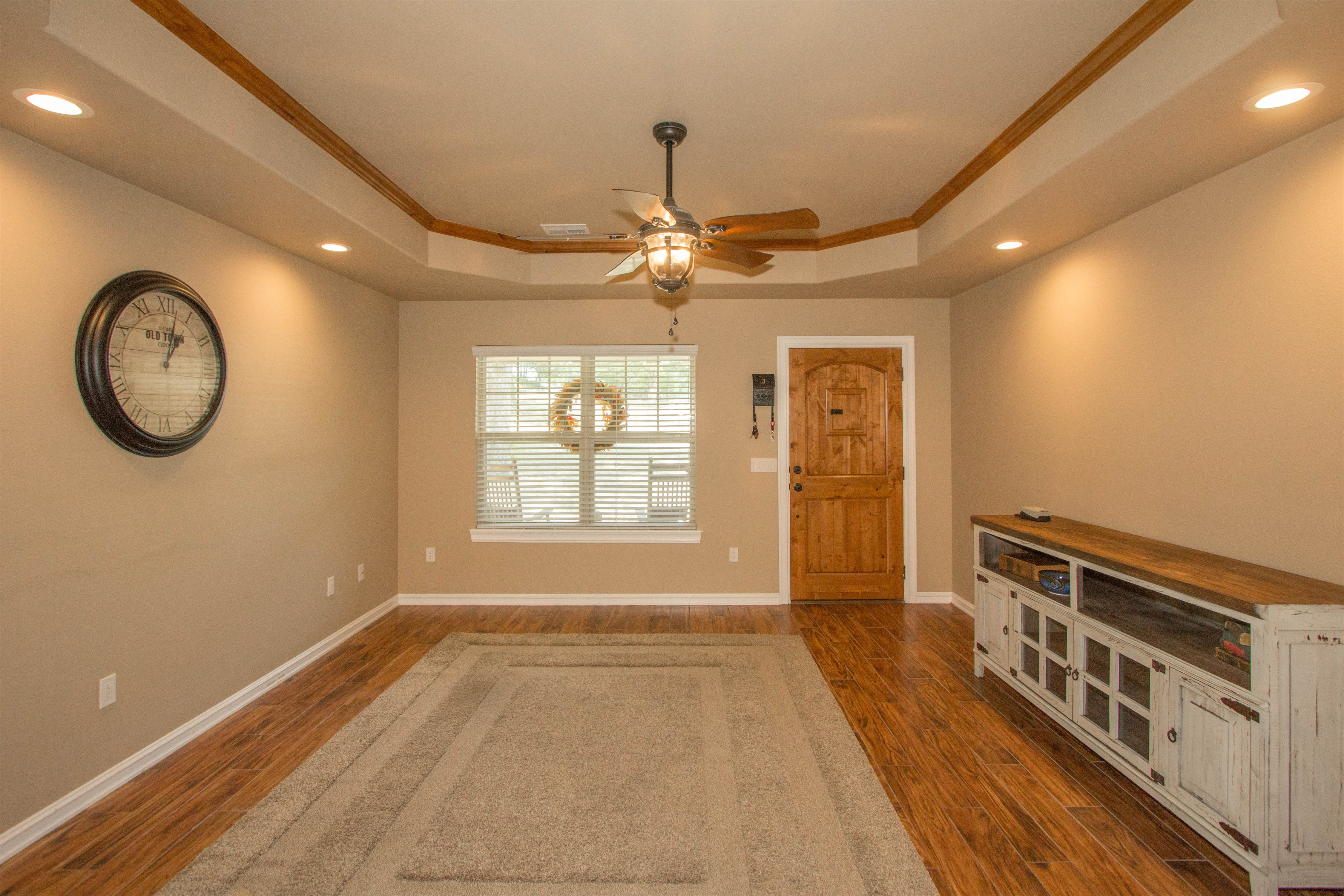 824 W Roosevelt Avenue Property Photo 3