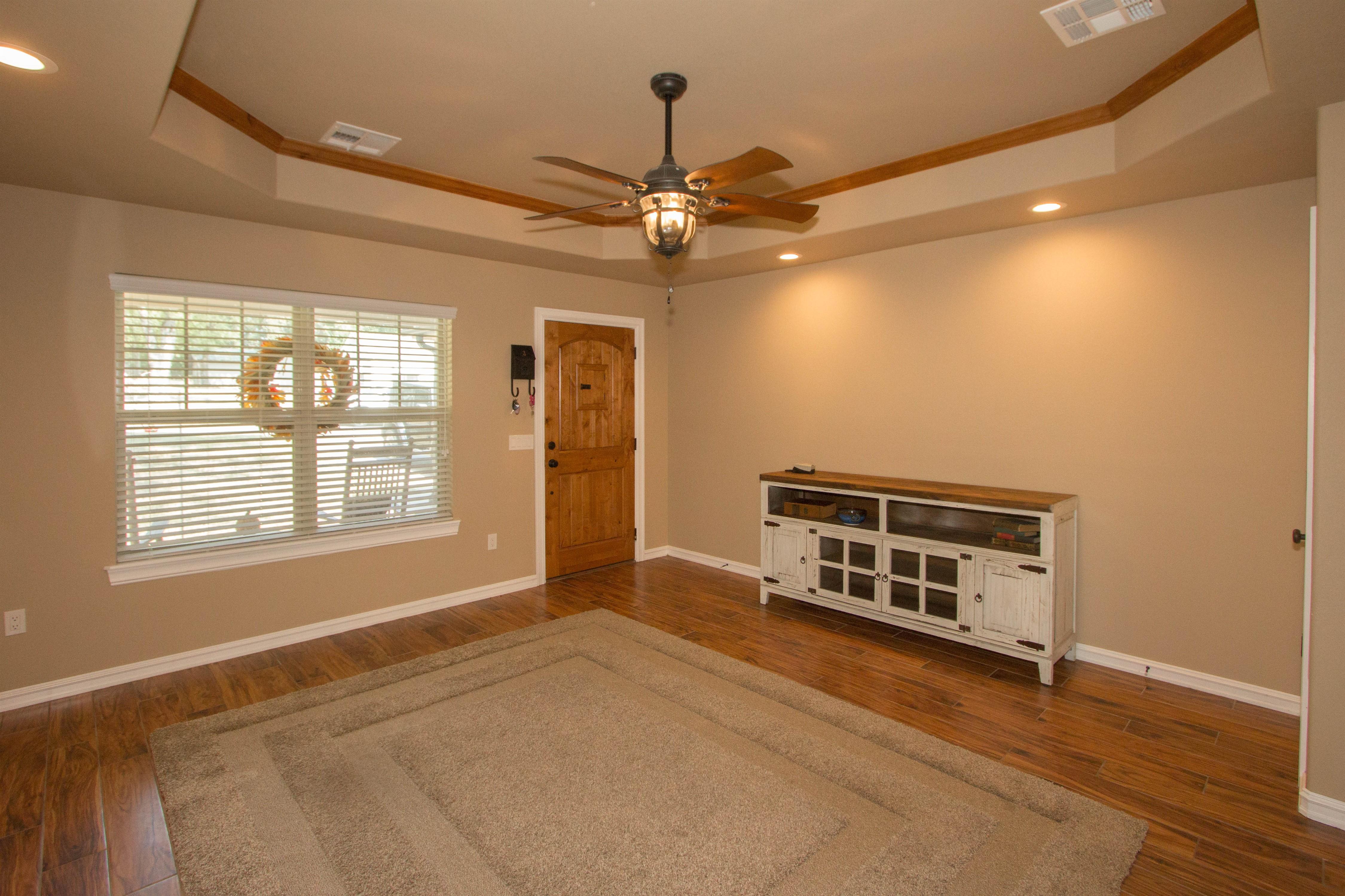 824 W Roosevelt Avenue Property Photo 4