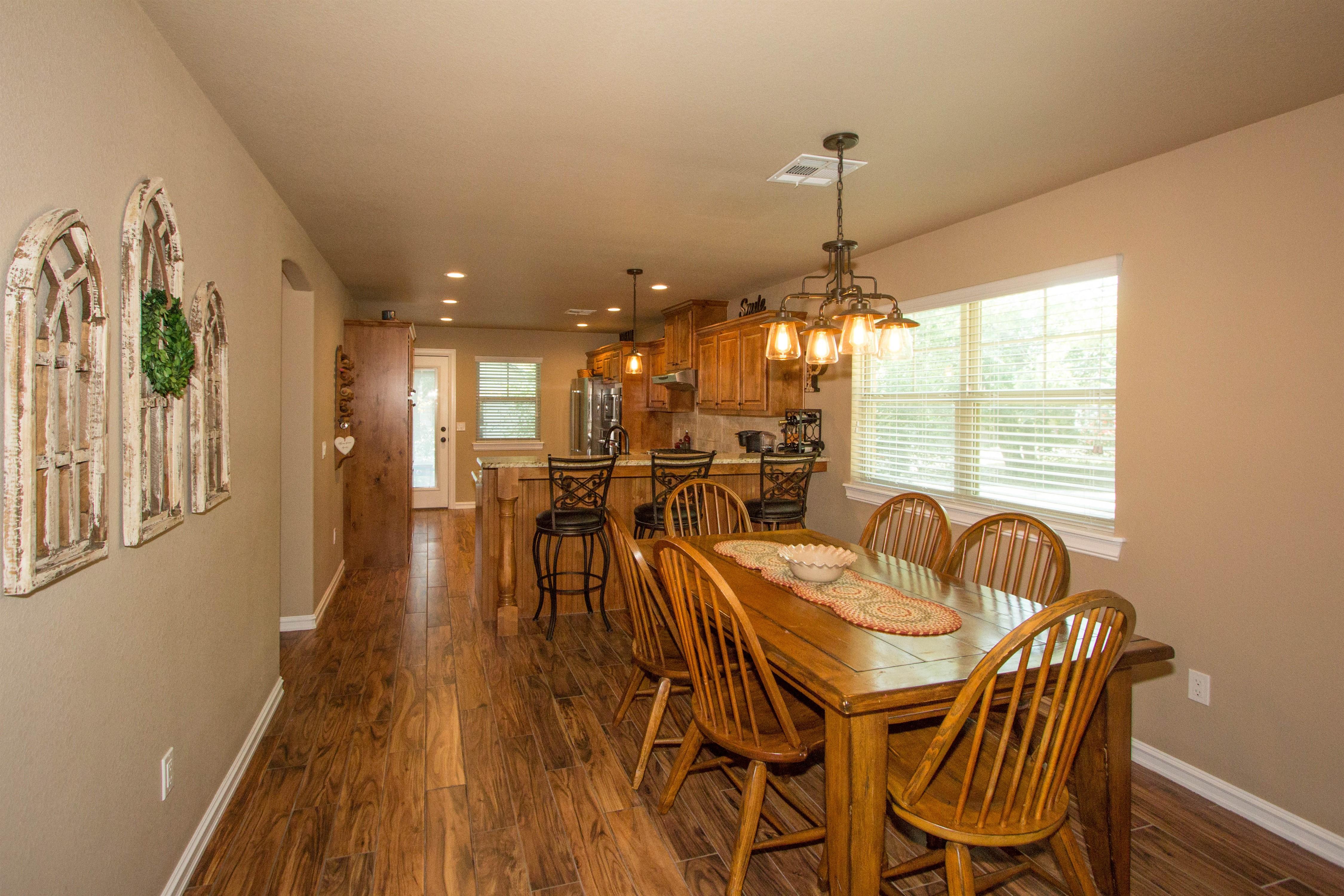 824 W Roosevelt Avenue Property Photo 6