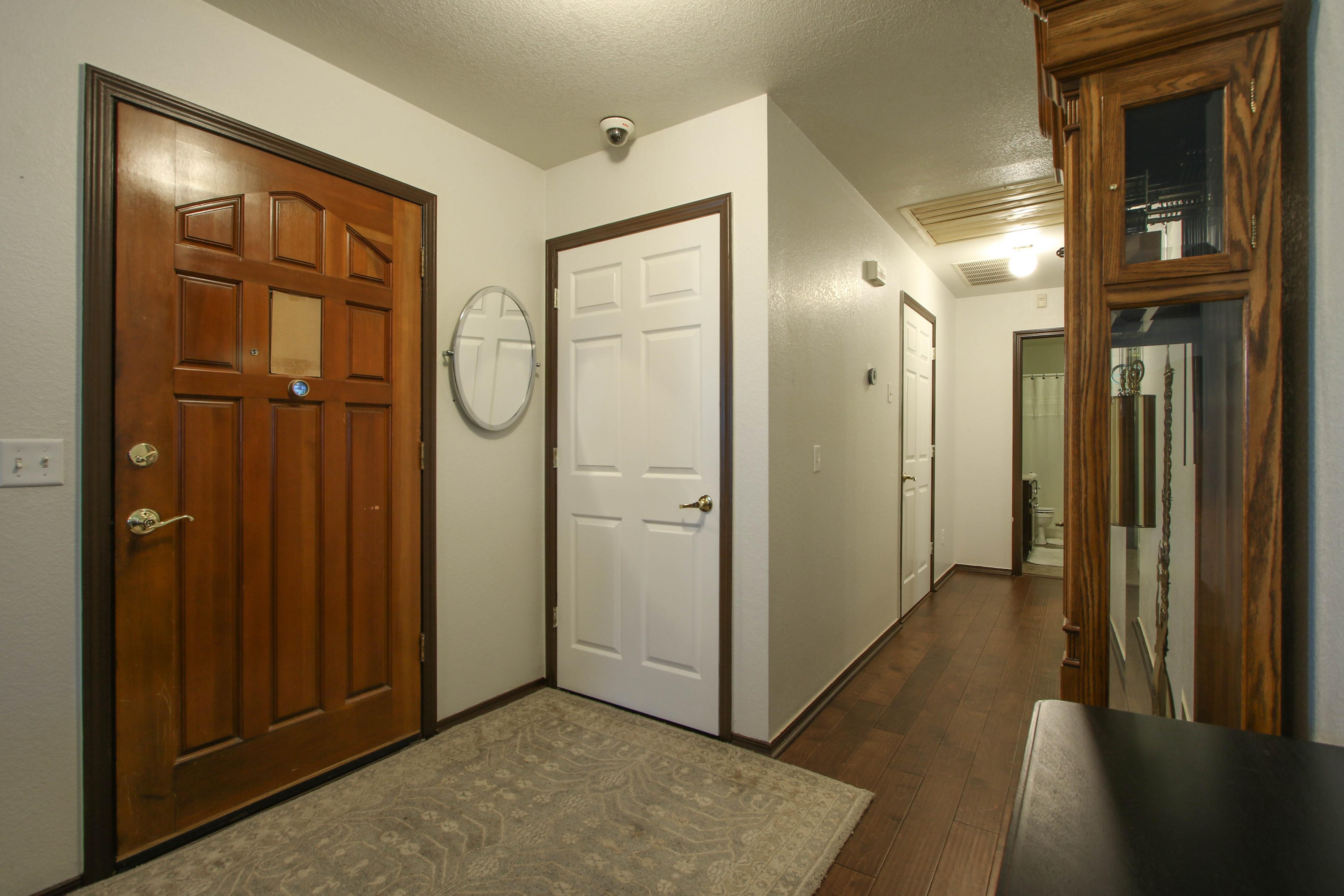 2932 S Main Street Property Photo 3