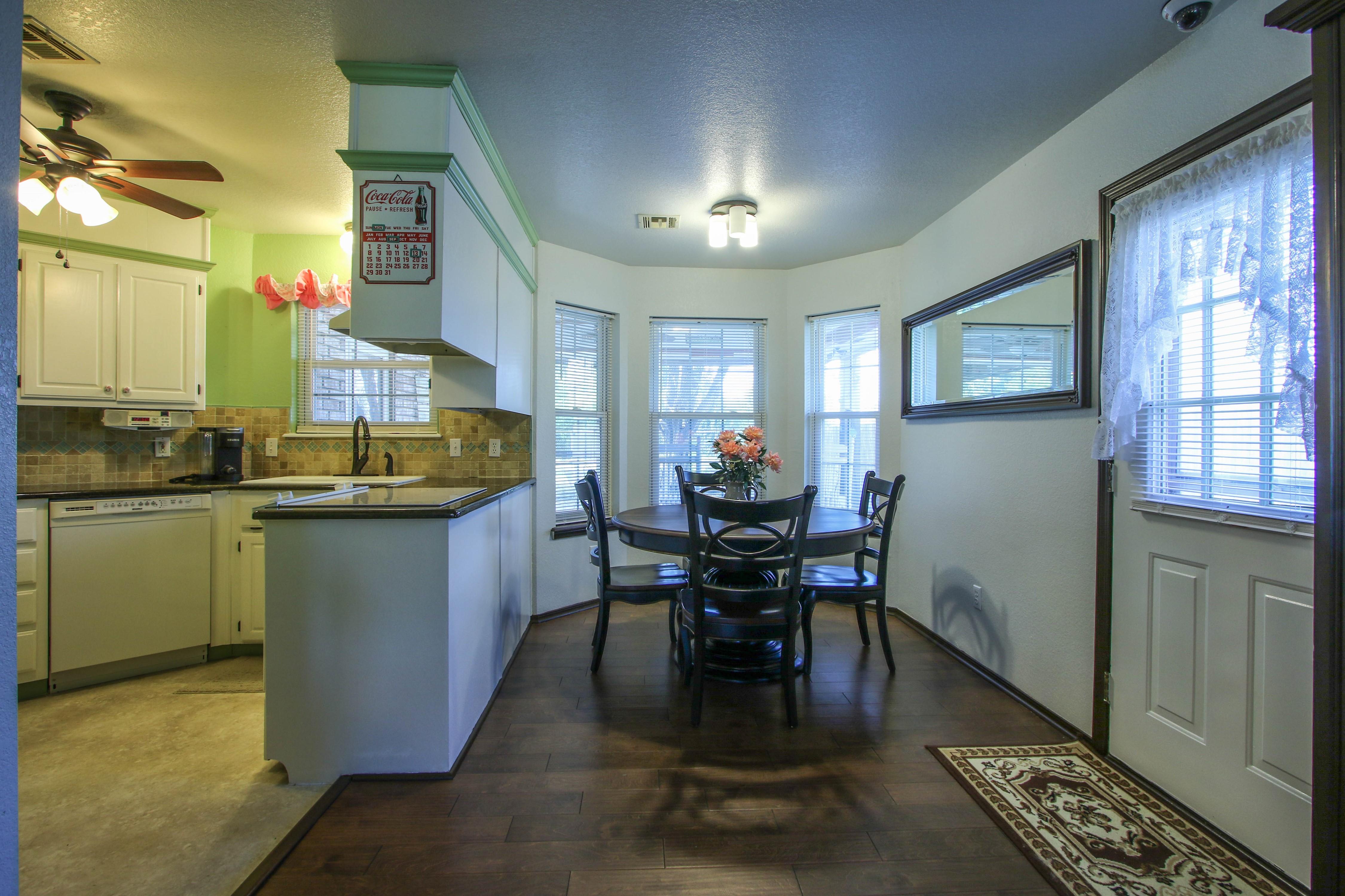 2932 S Main Street Property Photo 8