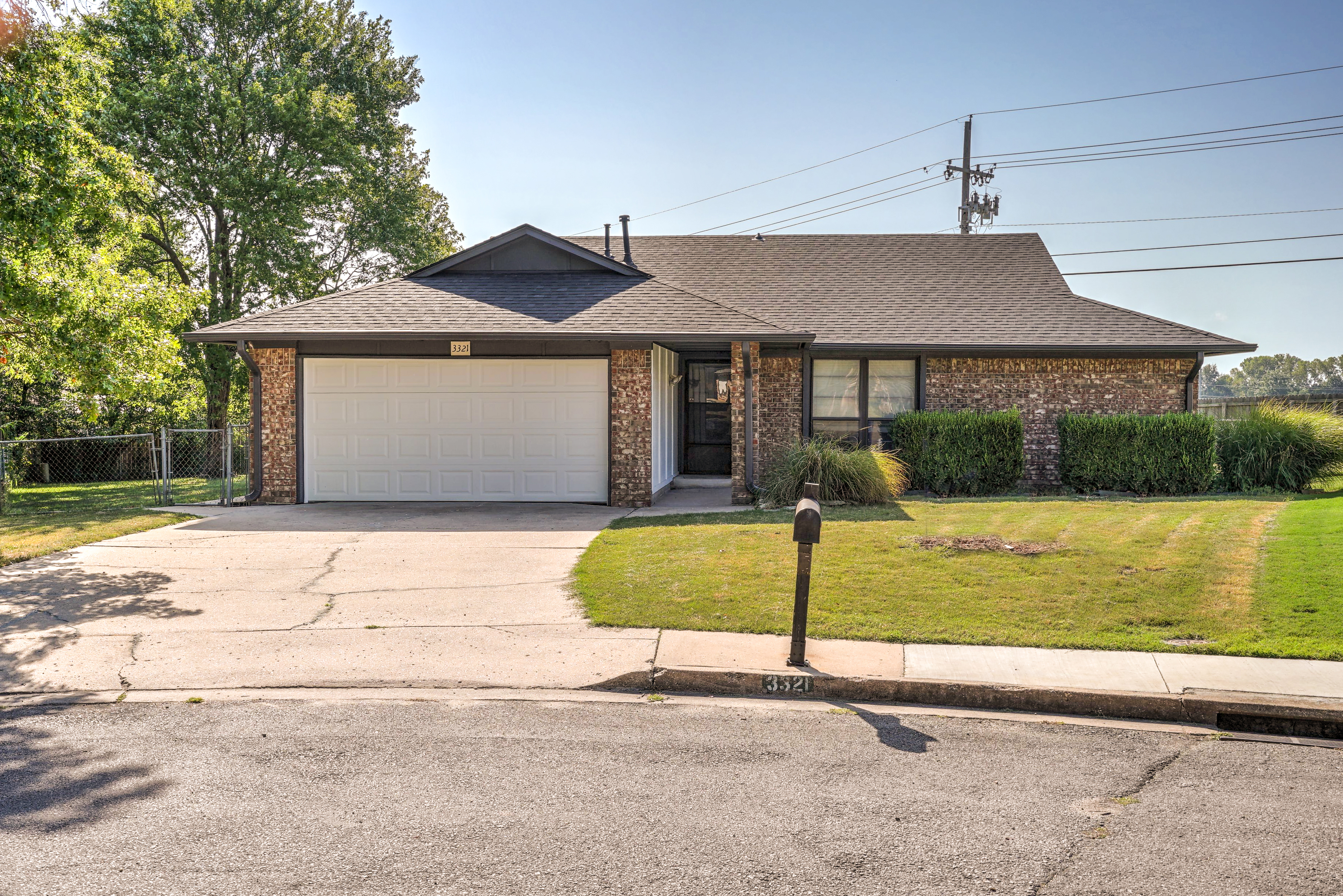 3321 S Ash Place Property Photo 1