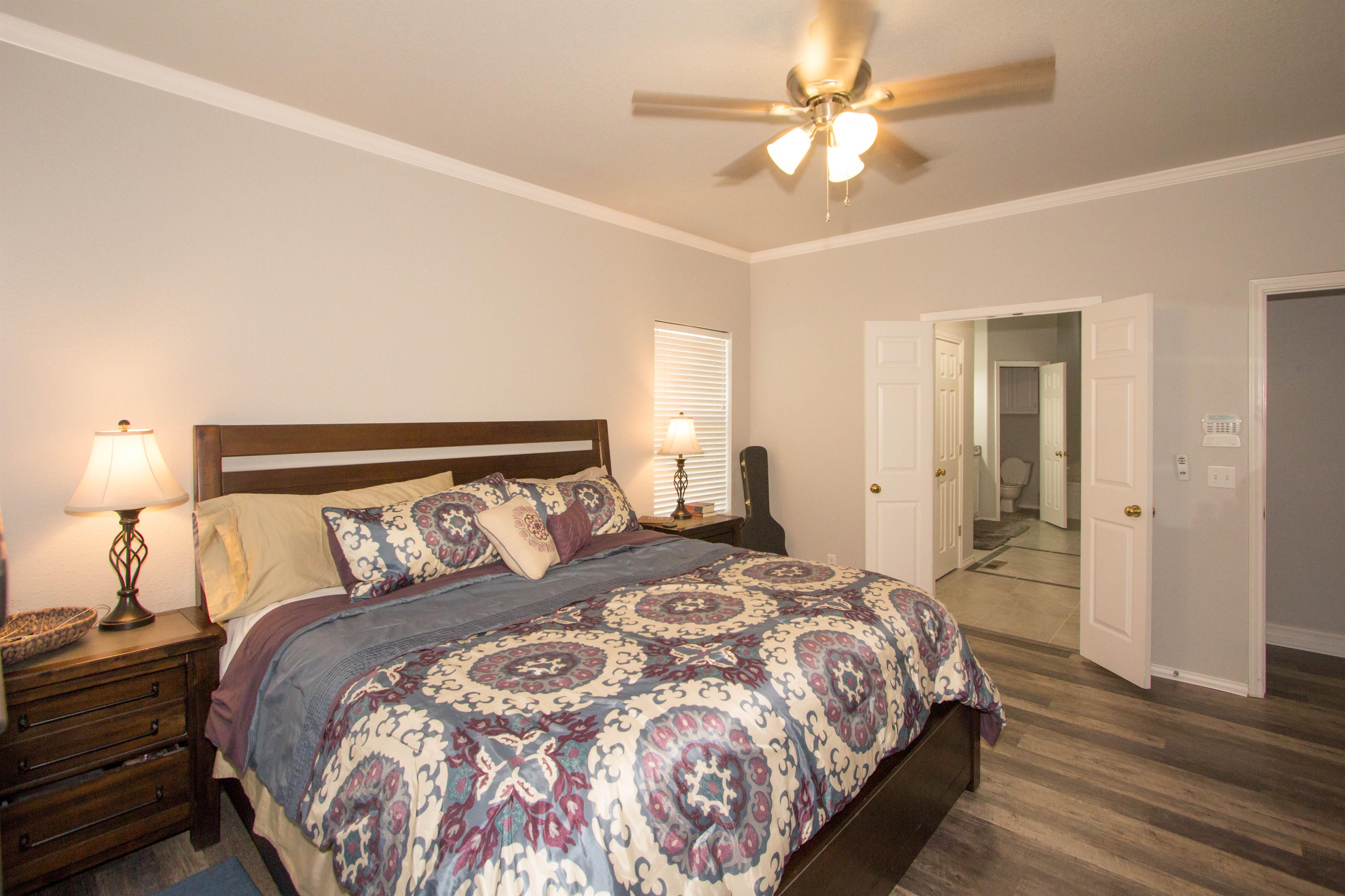 2910 E 101st Place Property Photo 14