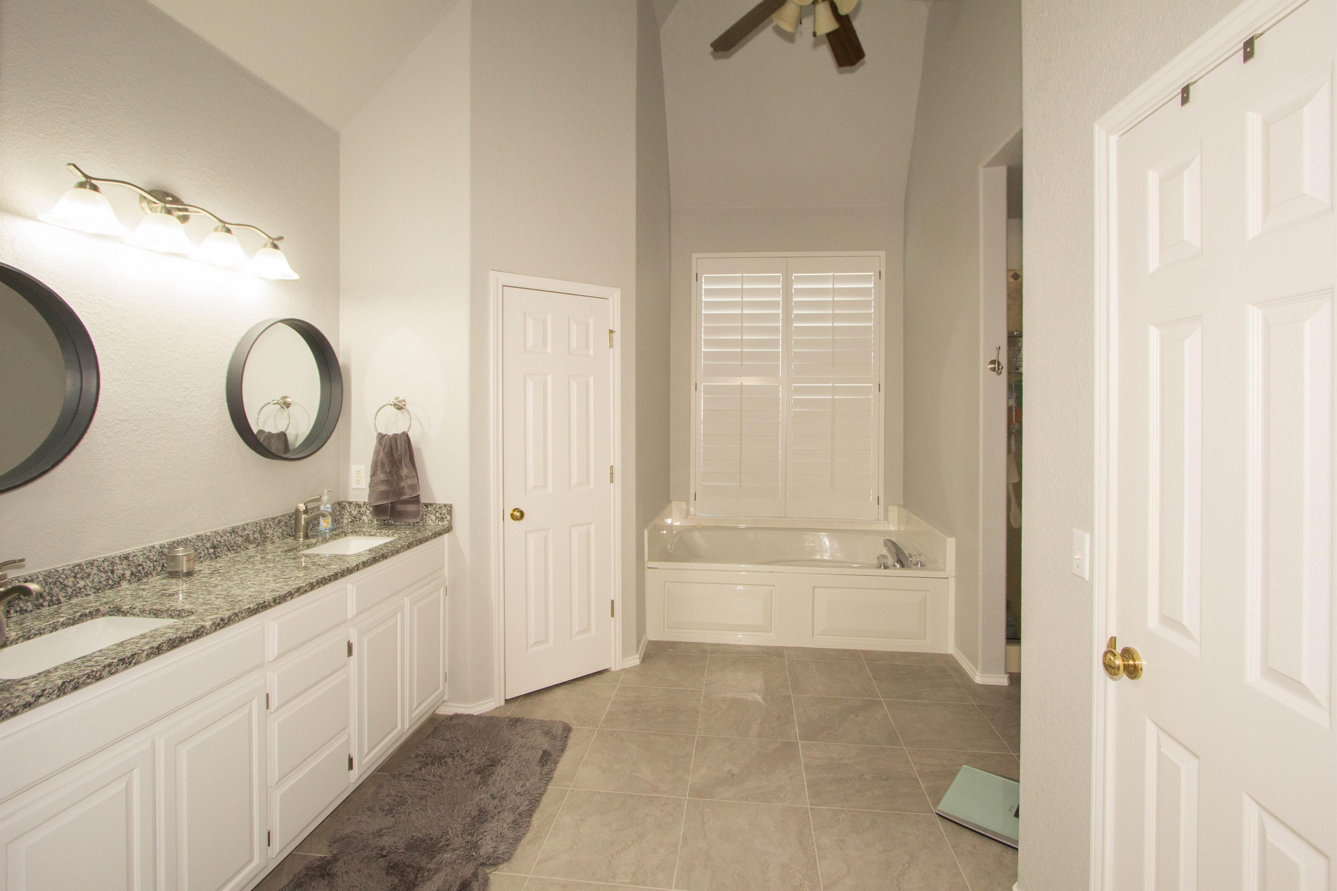 2910 E 101st Place Property Photo 15