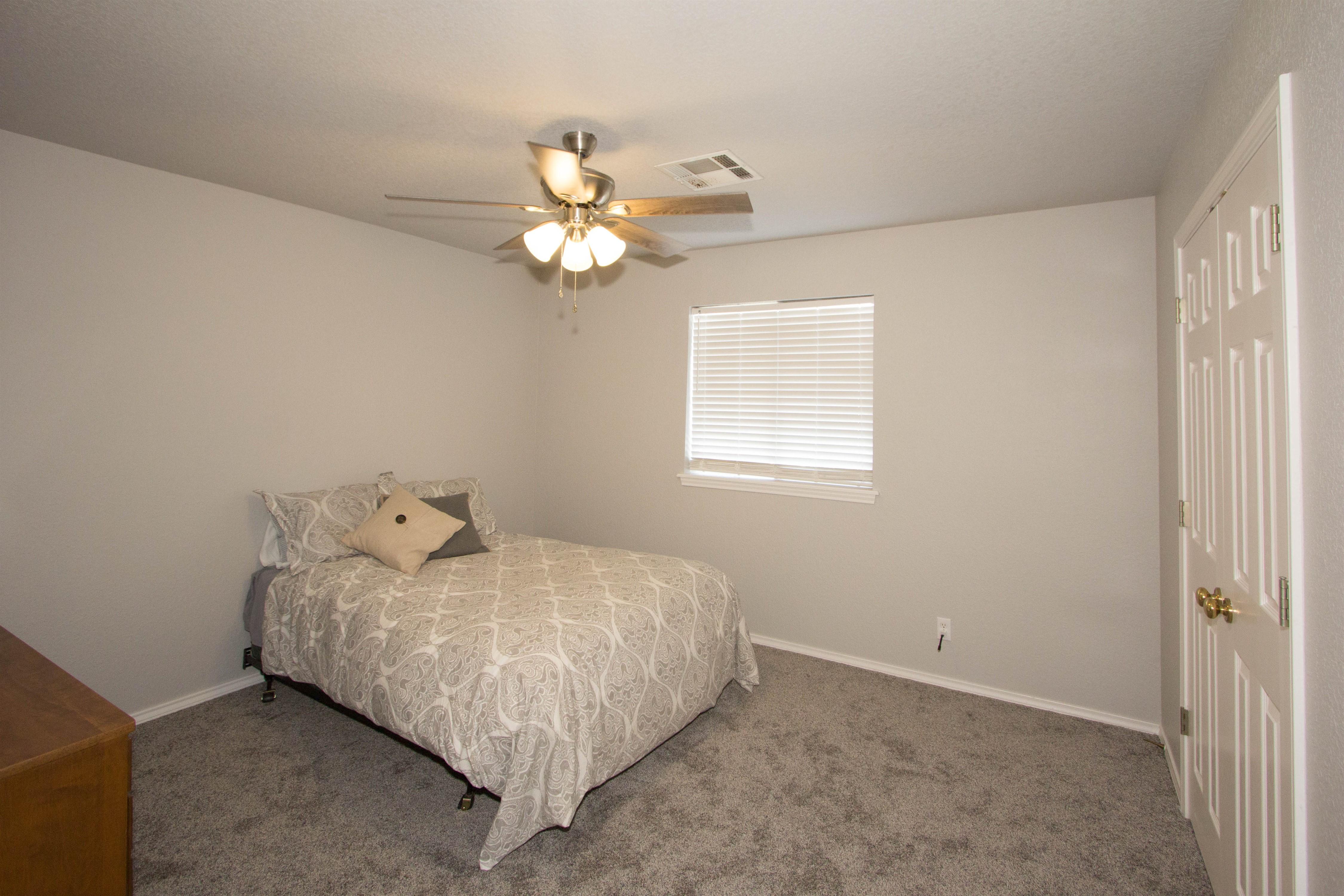 2910 E 101st Place Property Photo 21