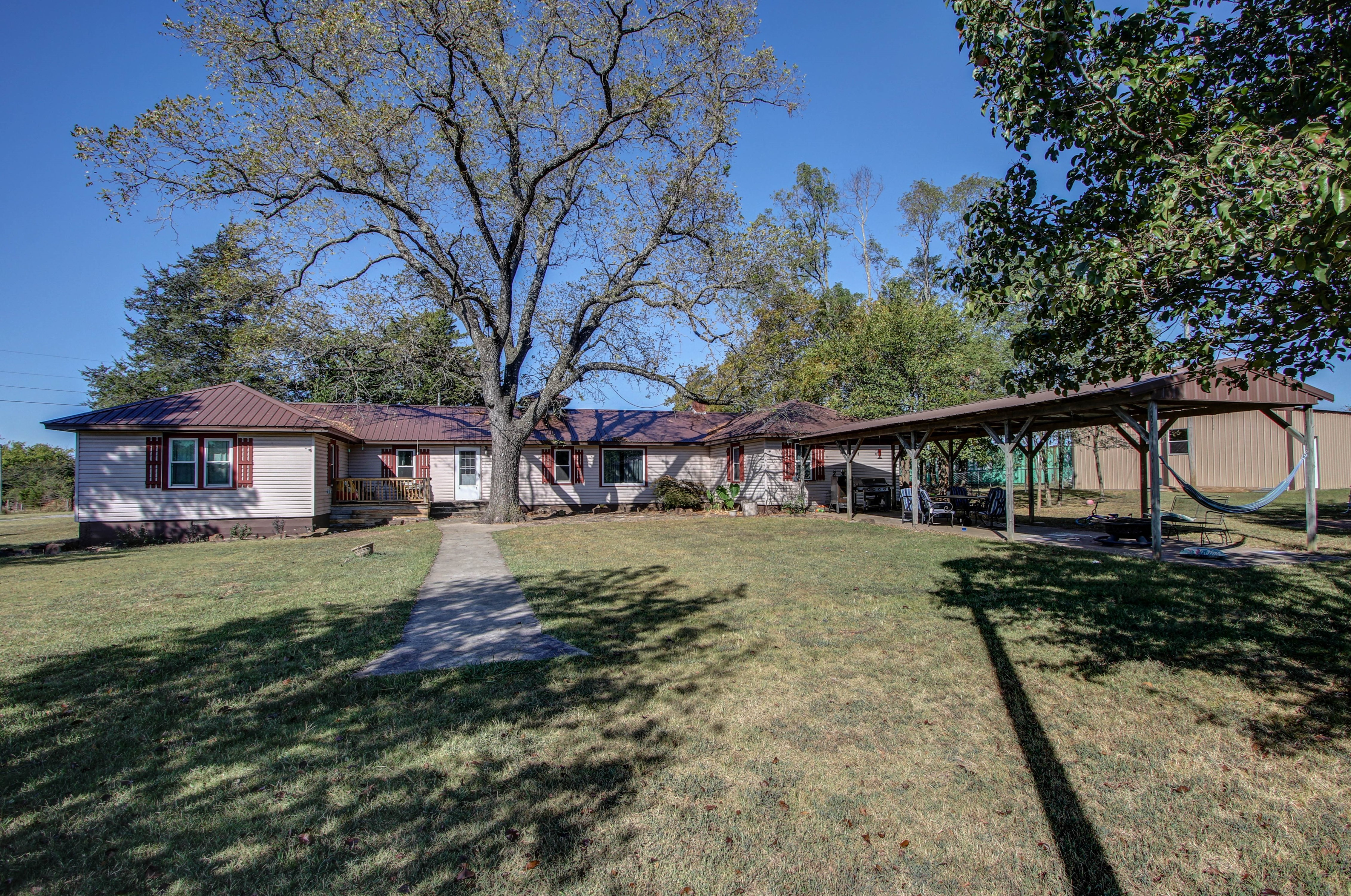 20777 W Sixshooter Road Property Photo 1