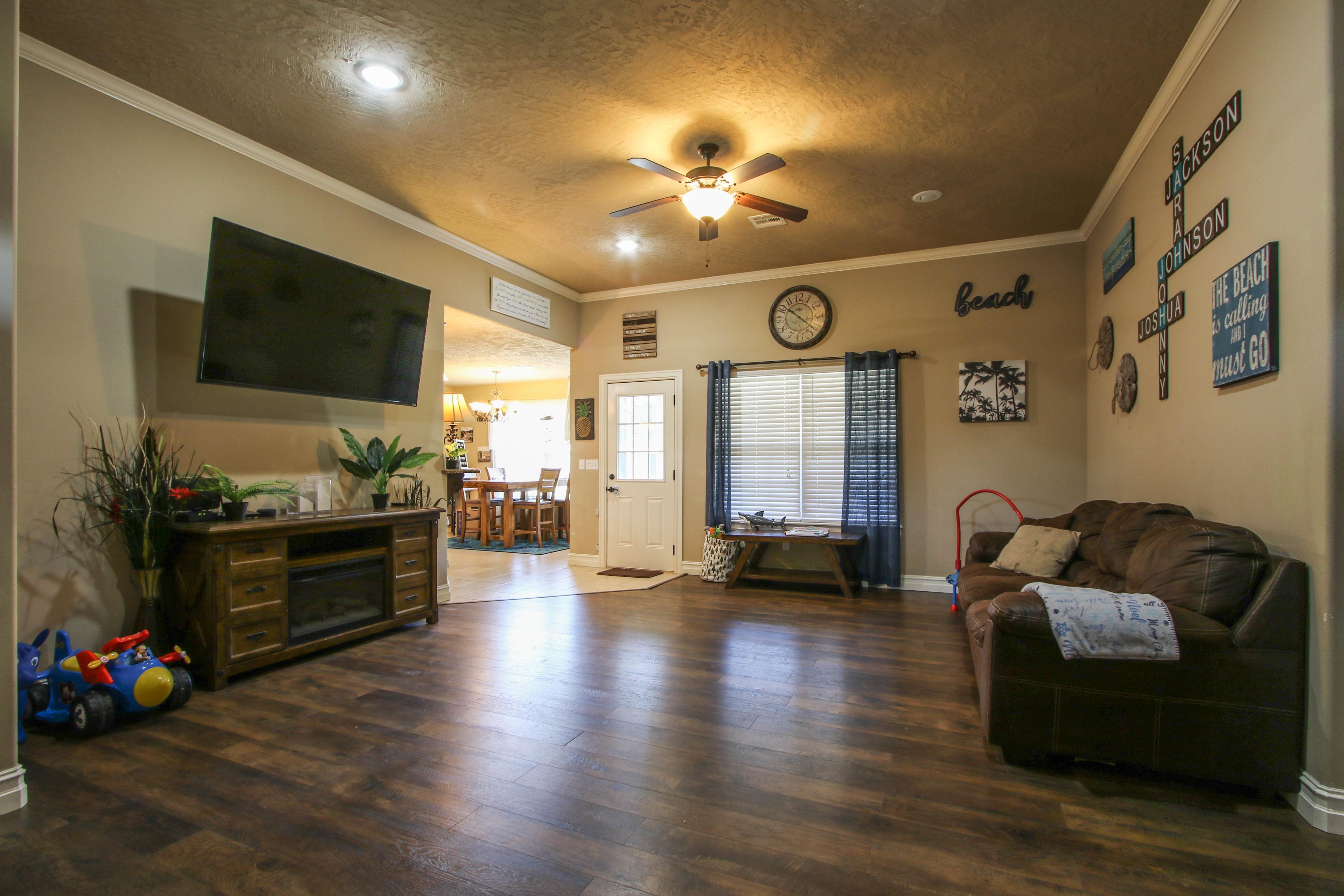 20640 W Loss Lane Property Photo 5