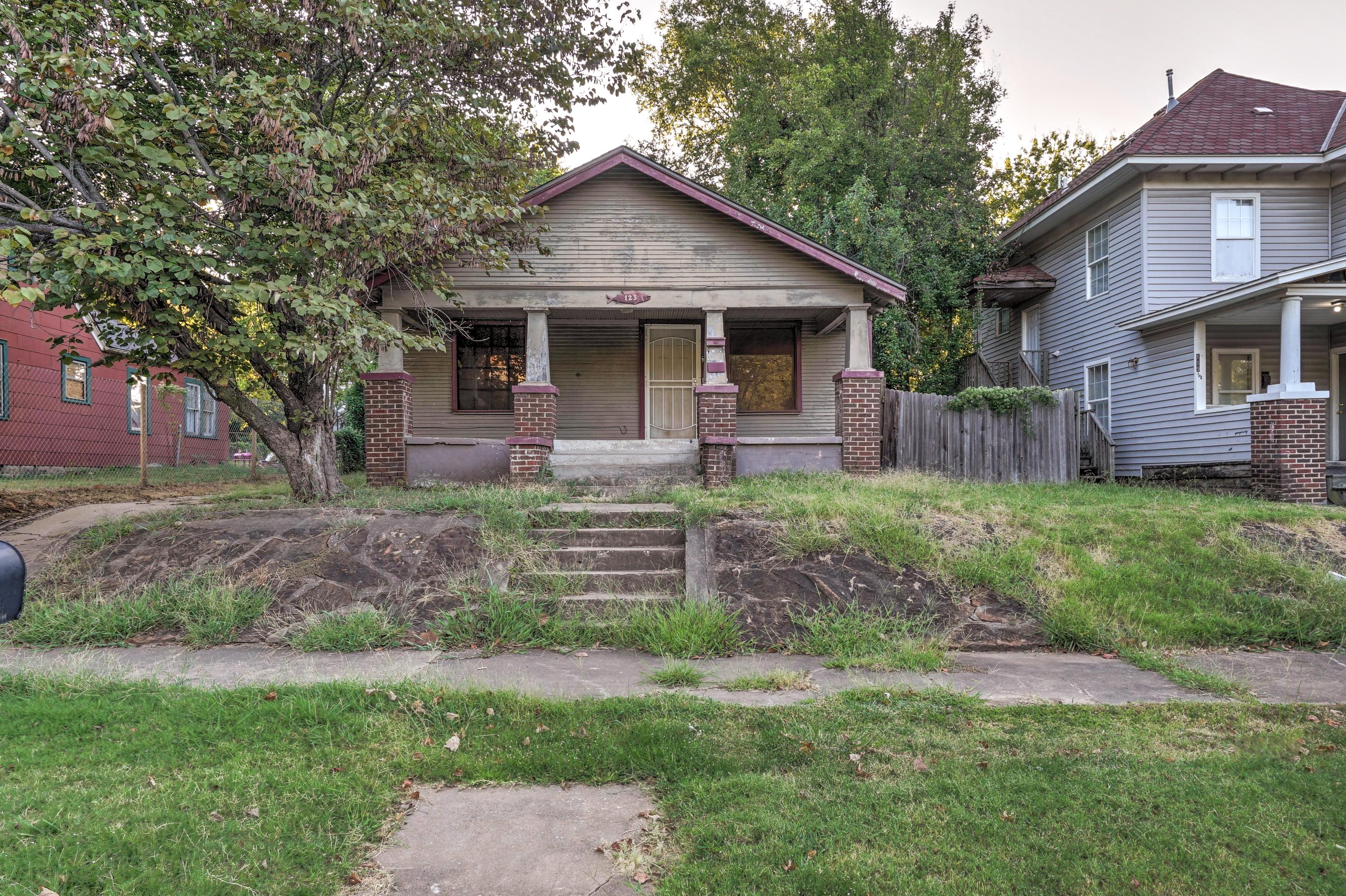 123 N Victor Avenue Property Photo 1