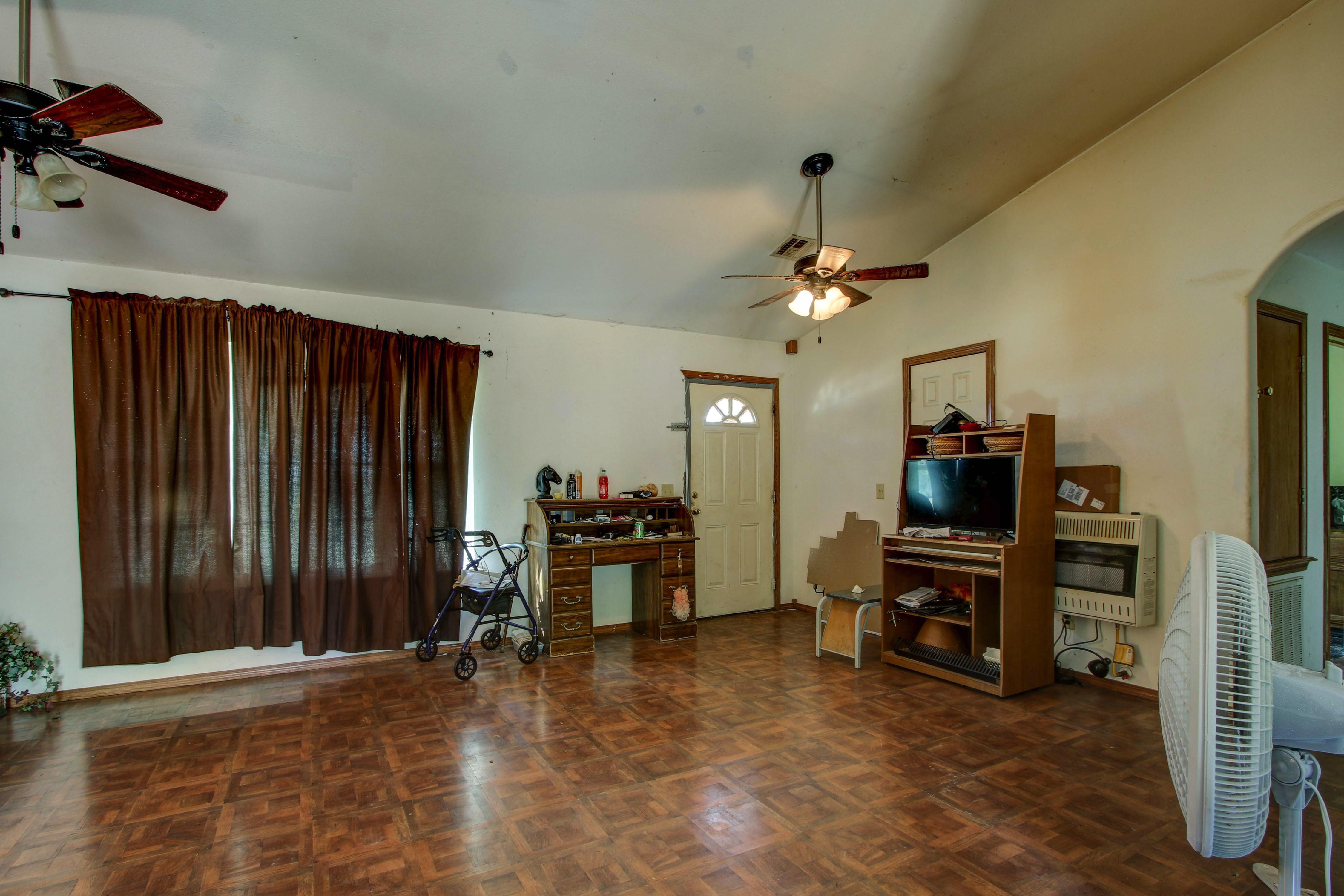 3504 W 93rd Street Property Photo 6