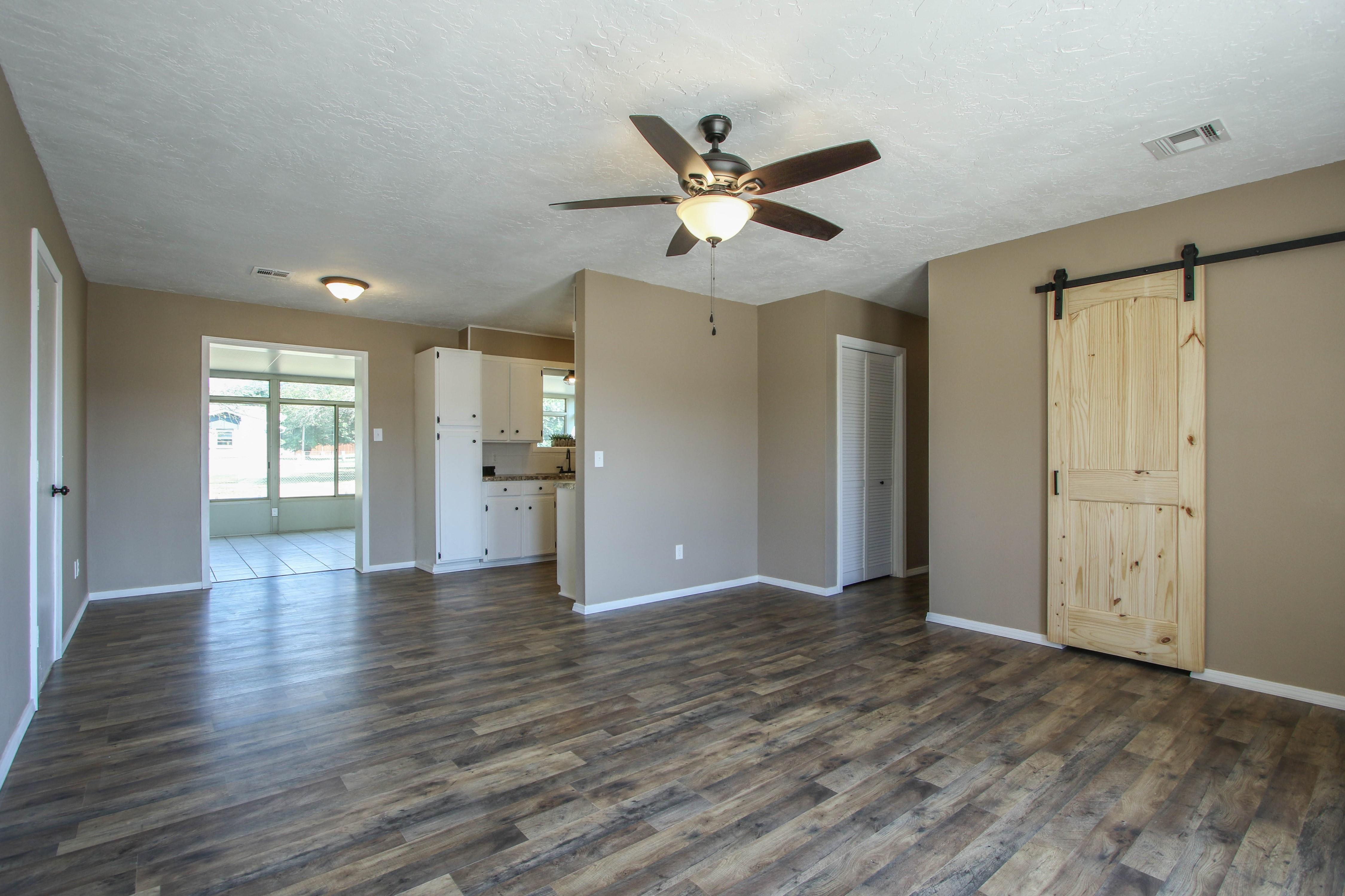 509 W 4th Street Property Photo 4