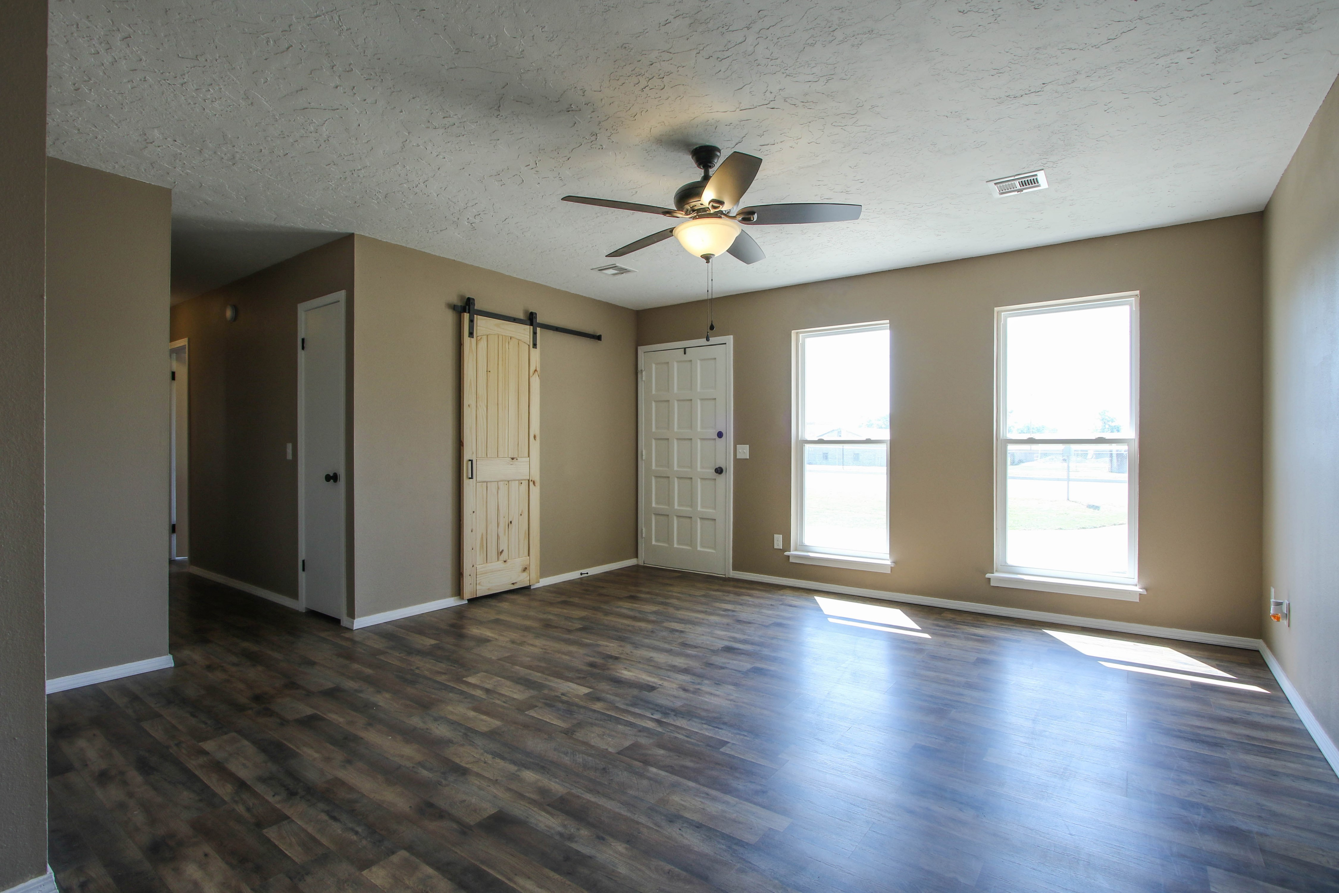 509 W 4th Street Property Photo 6