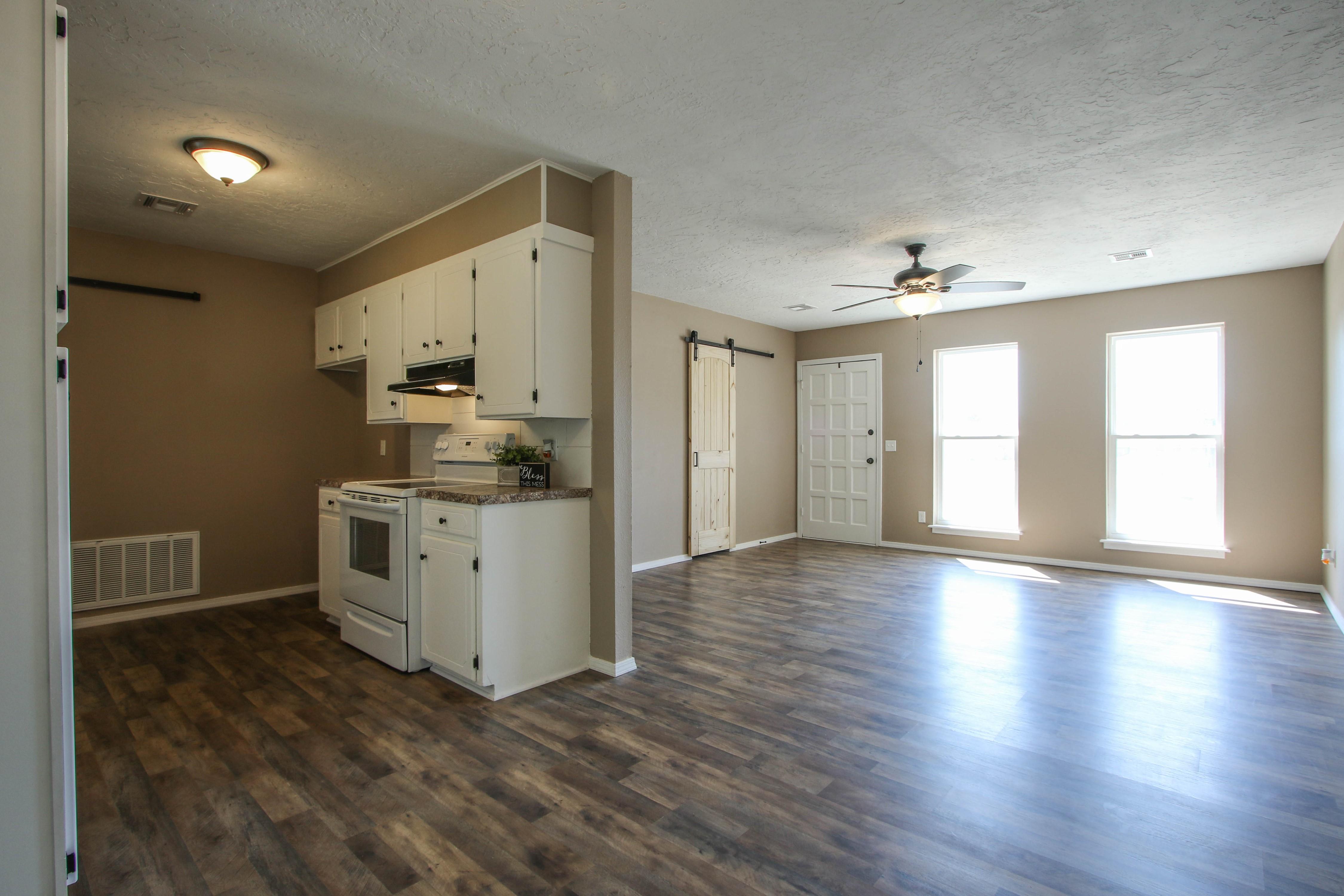 509 W 4th Street Property Photo 8
