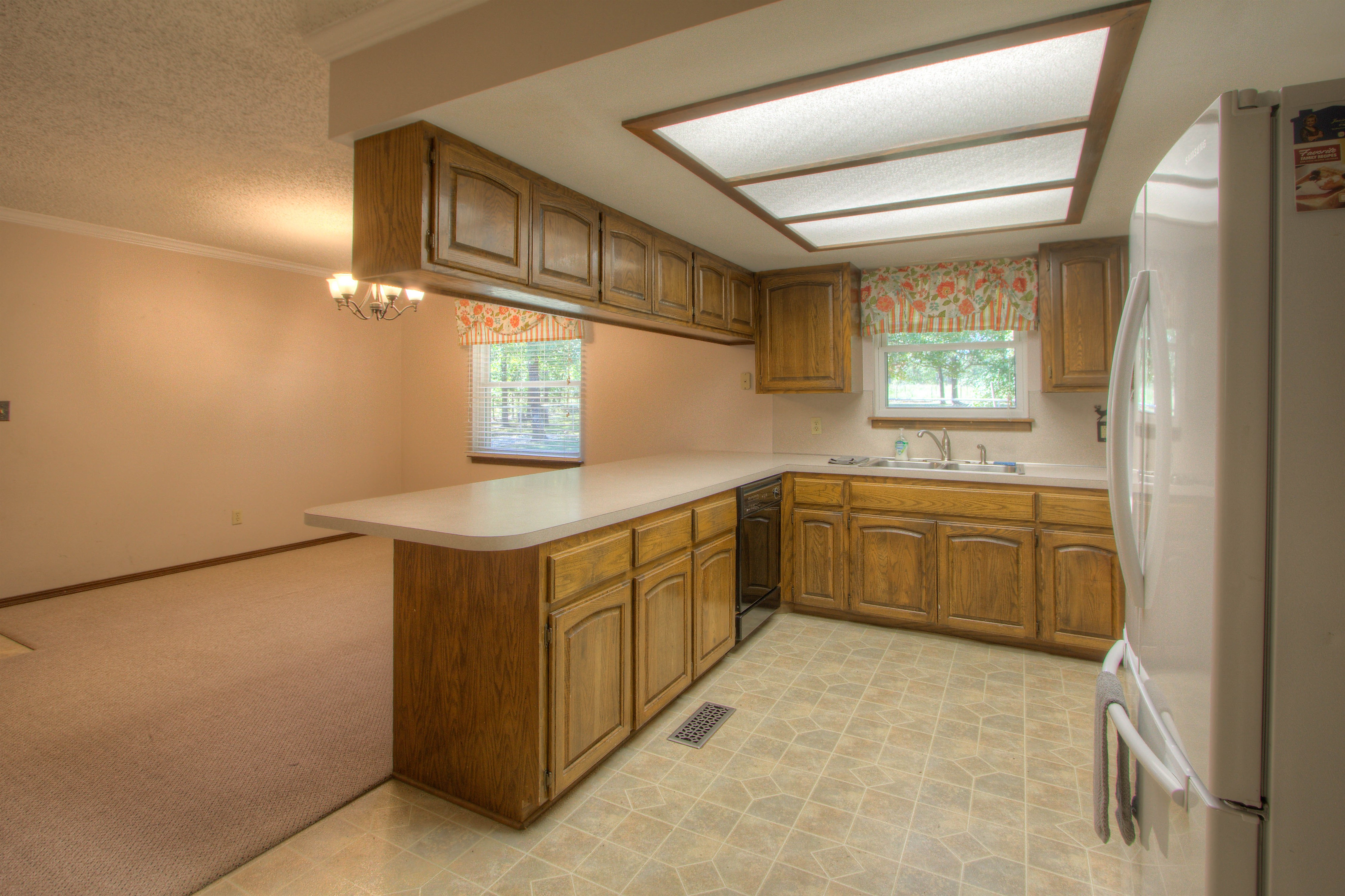 2095 N 255th Road Property Photo 5