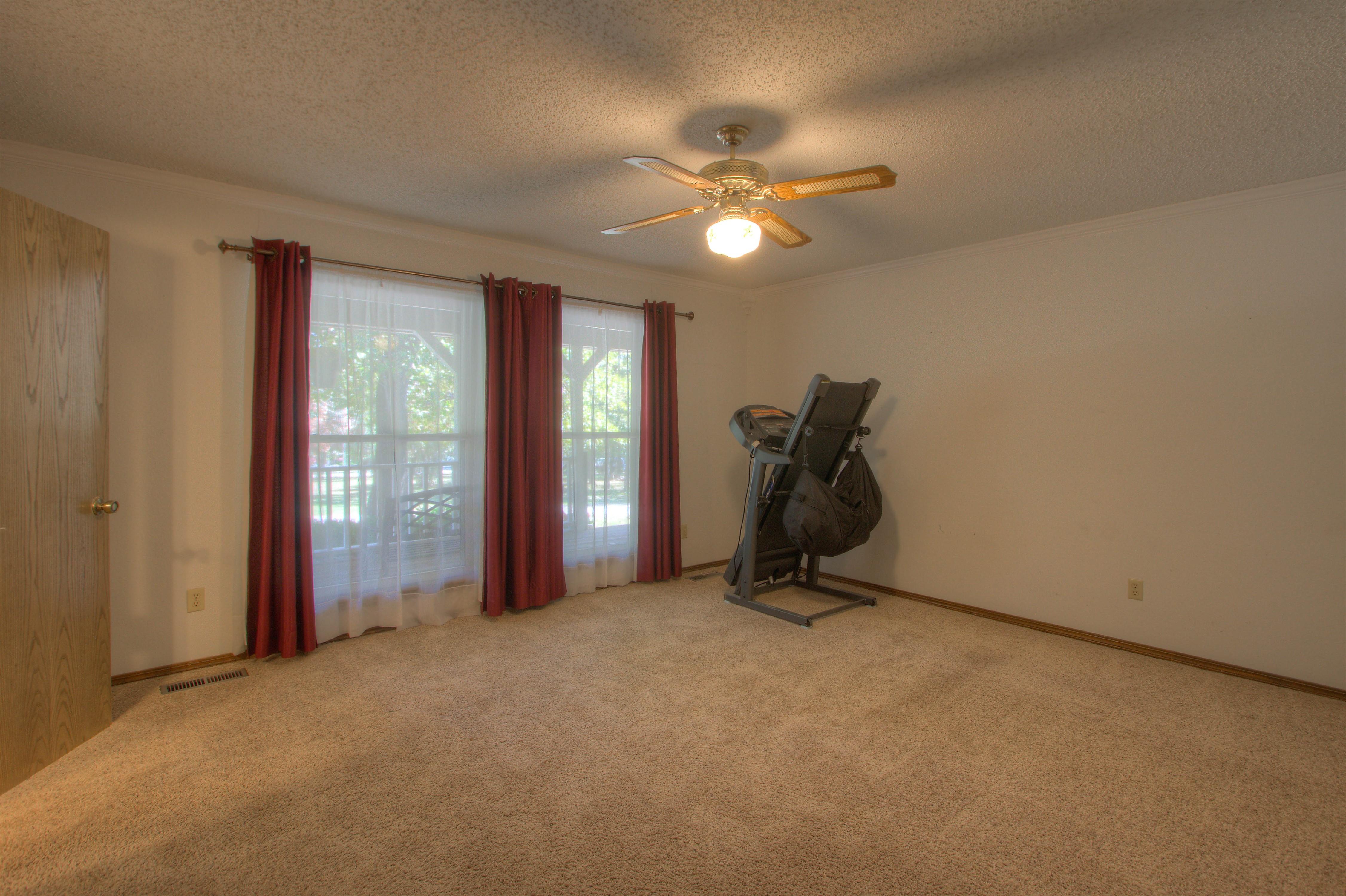 2095 N 255th Road Property Photo 10